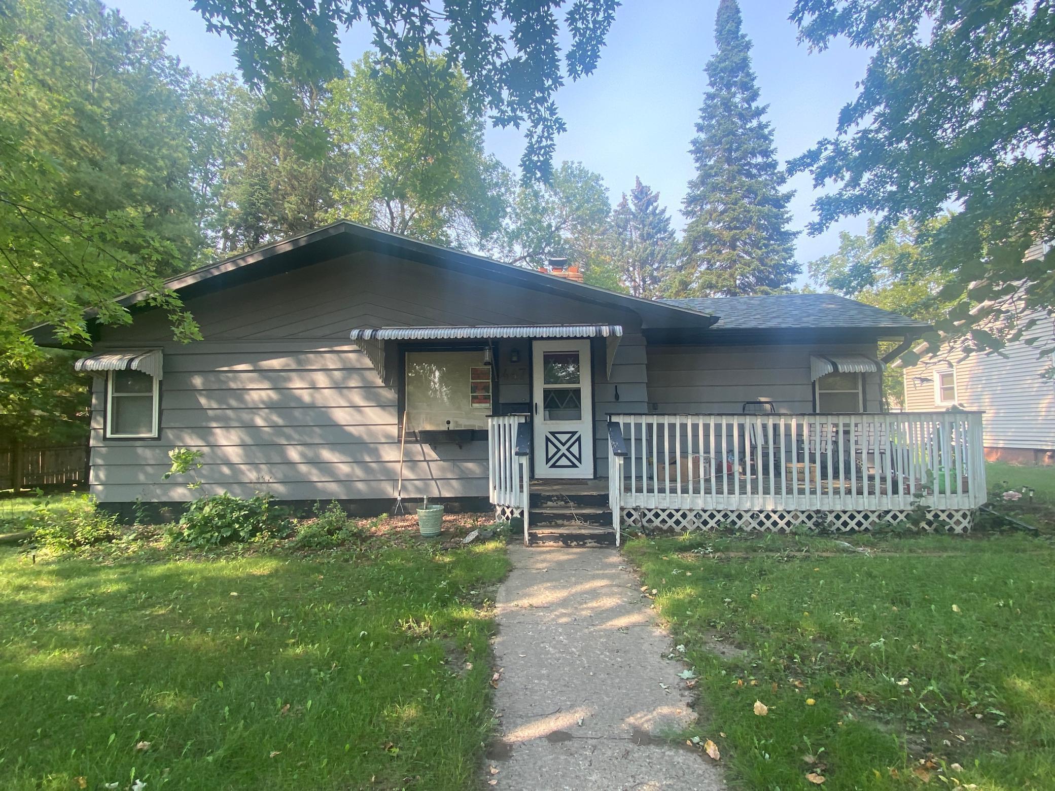 447 E Ronning Avenue Property Photo