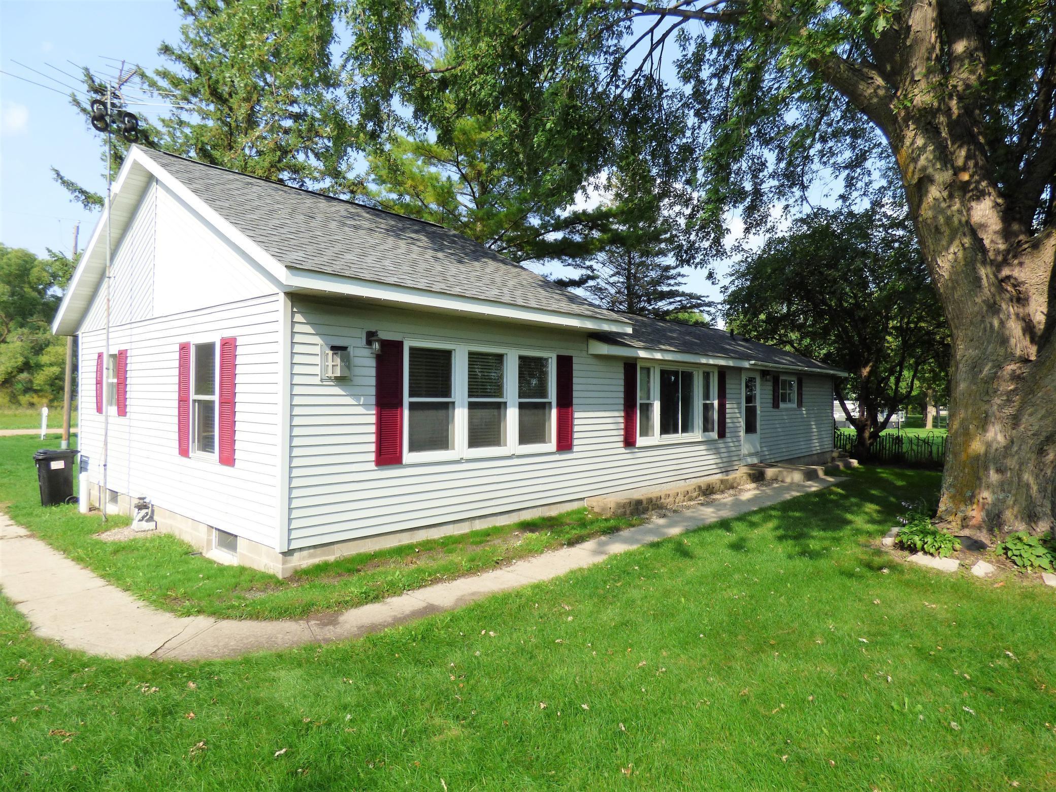 11892 N Grove Lake Drive Property Photo