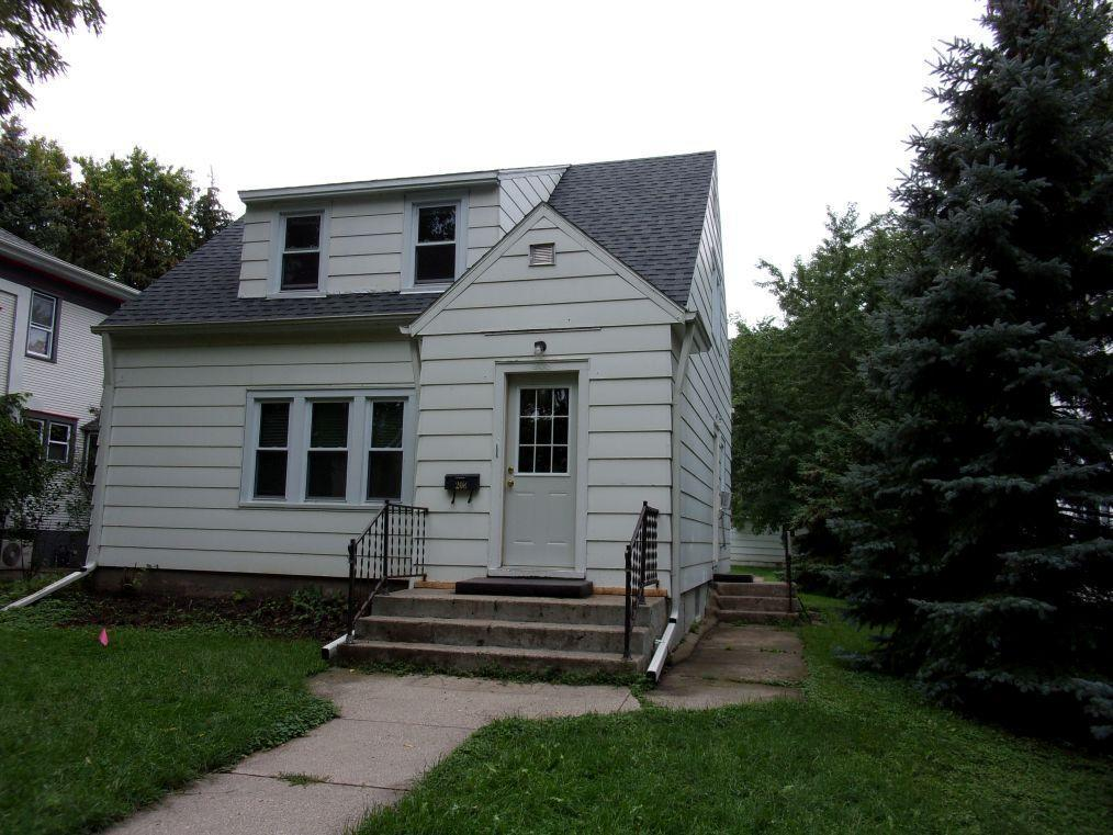 208 E 6th Street Property Photo