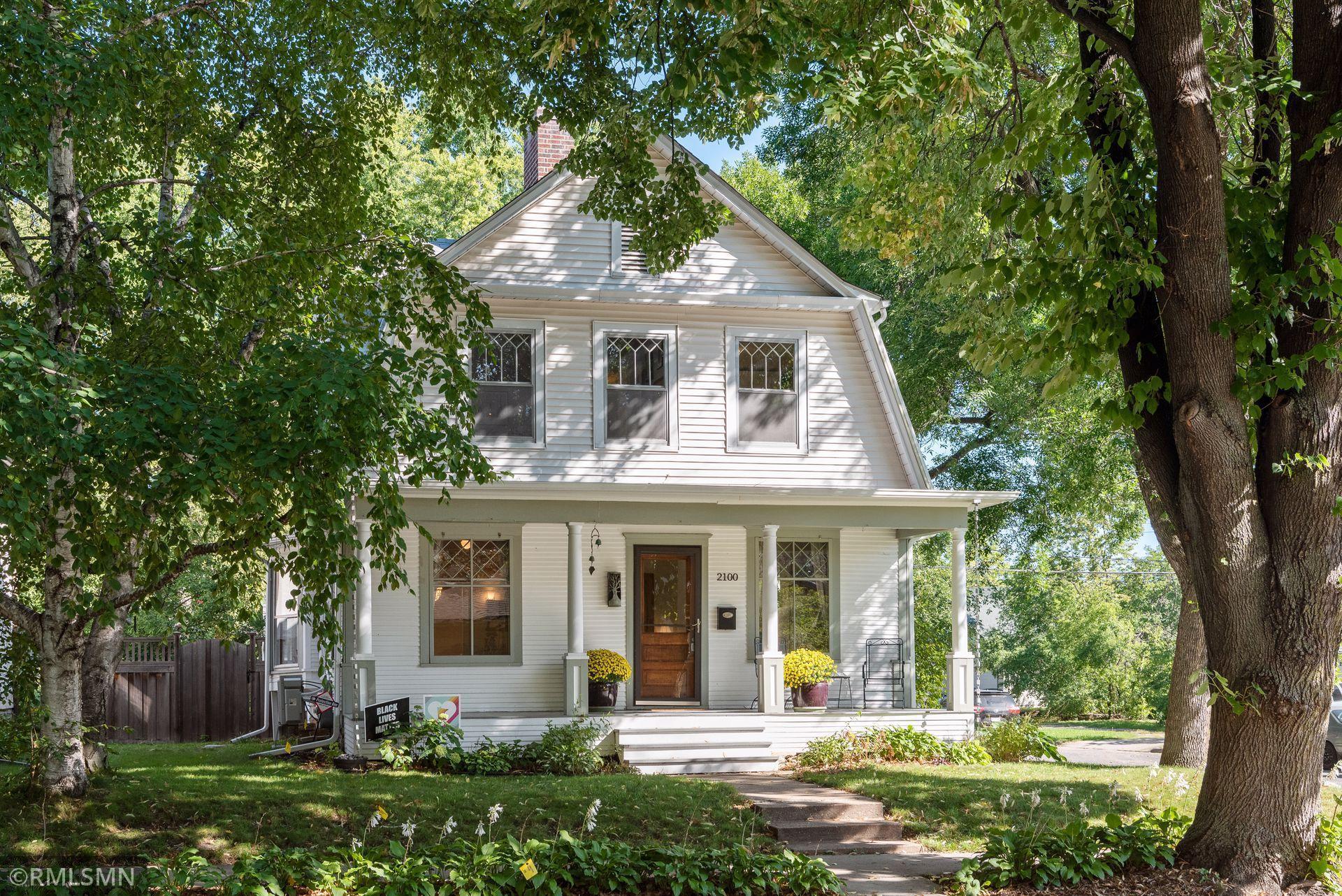 2100 Hawthorne Avenue Property Photo
