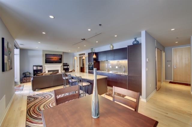 3104 W Lake Street Property Photo