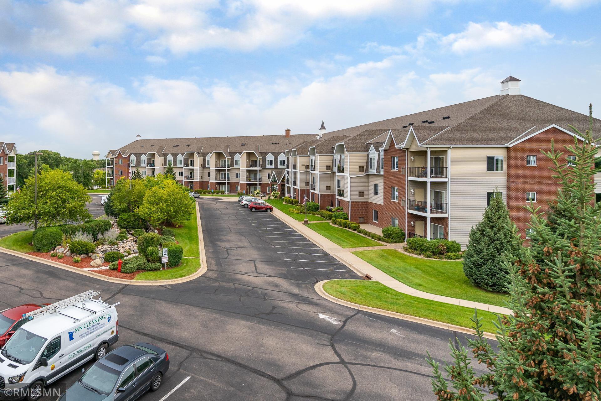 Bards Crossing Real Estate Listings Main Image