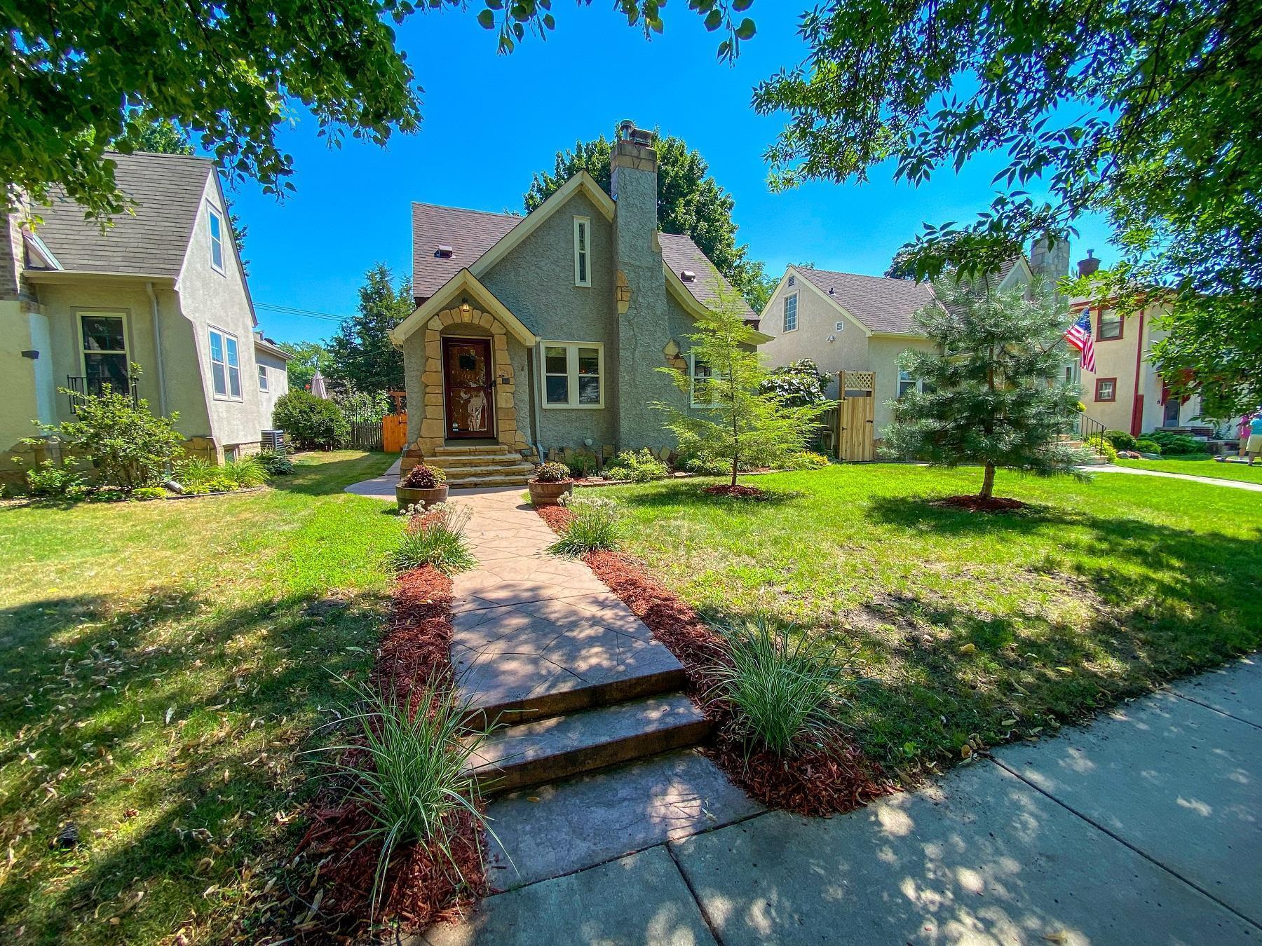 Hale Real Estate Listings Main Image