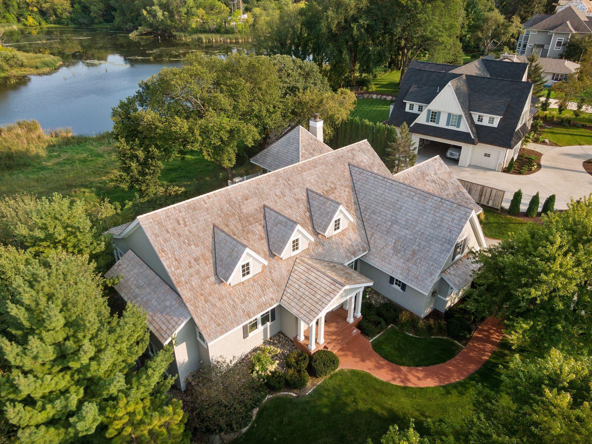 5101 Mirror Lakes Drive Property Photo