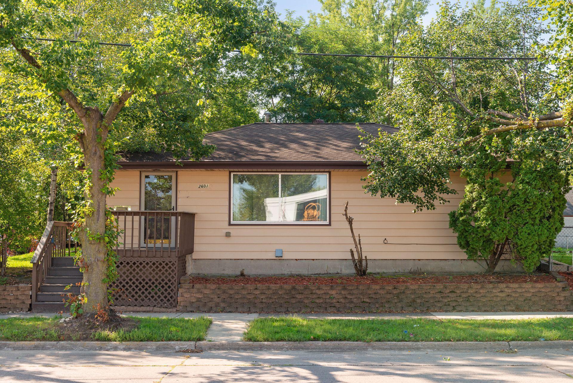 2601 40th Avenue Property Photo
