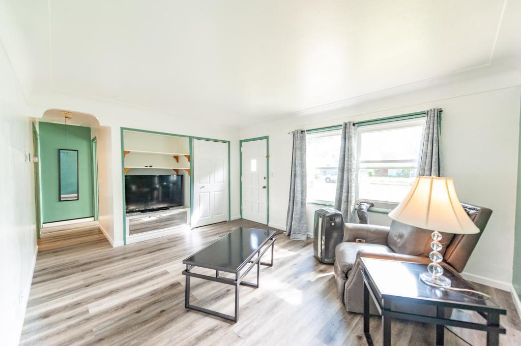 5117 Girard Avenue Property Photo