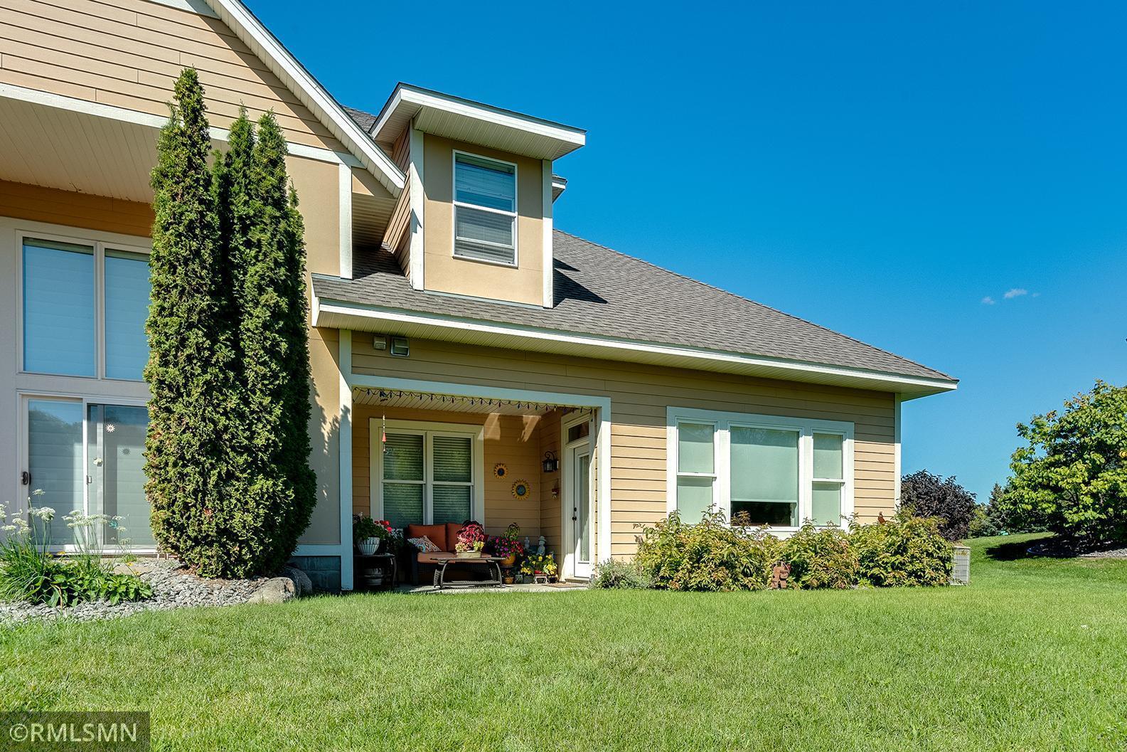 4843 Grand Avenue Property Photo