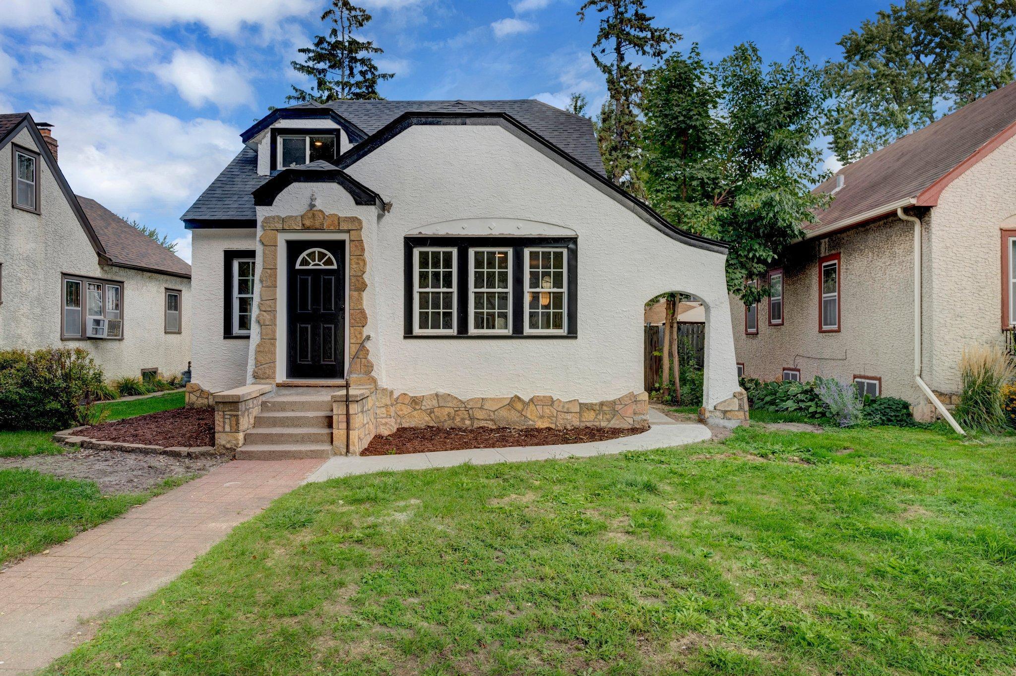 2922 Upton Avenue Property Photo