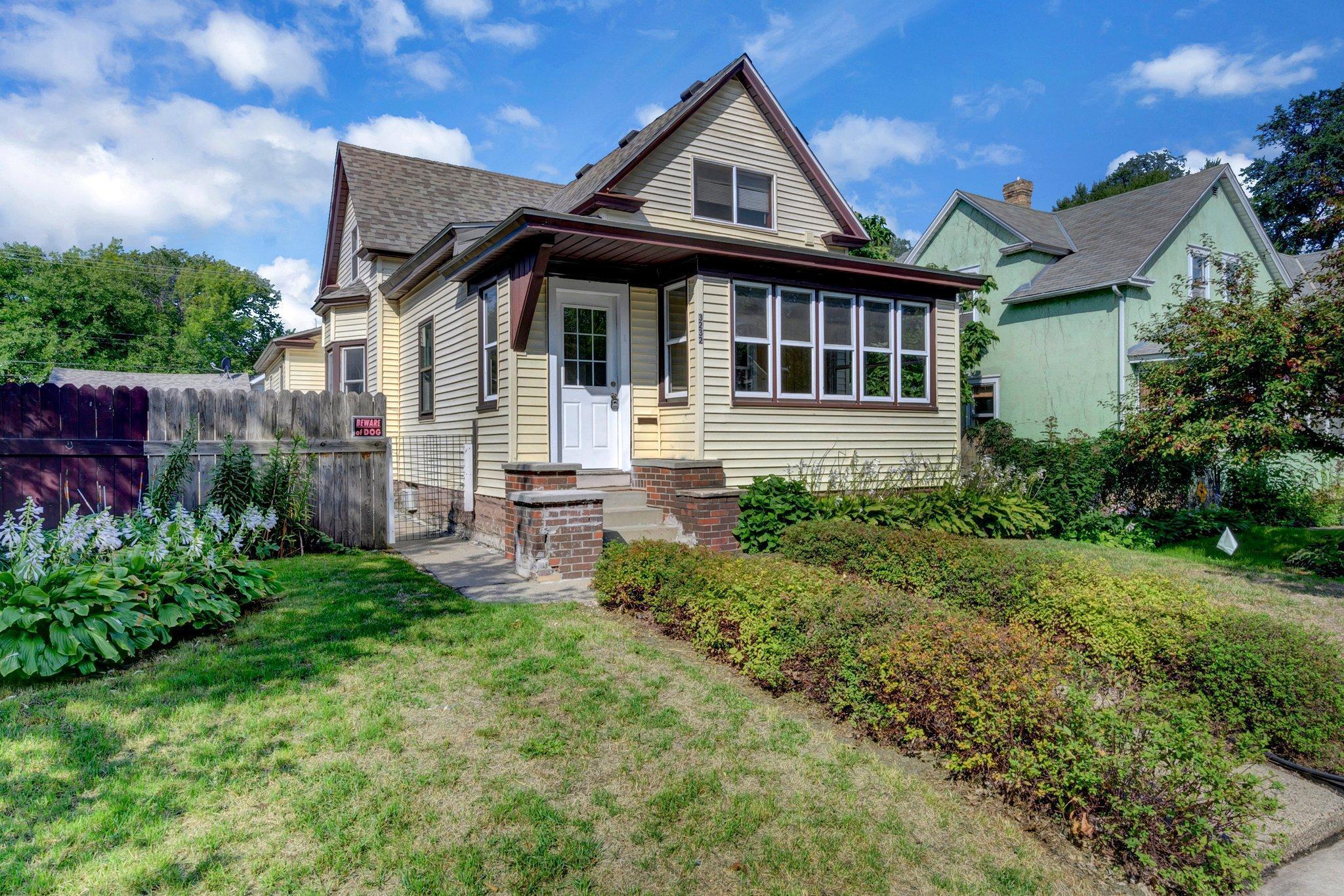 3232 Longfellow Avenue Property Photo