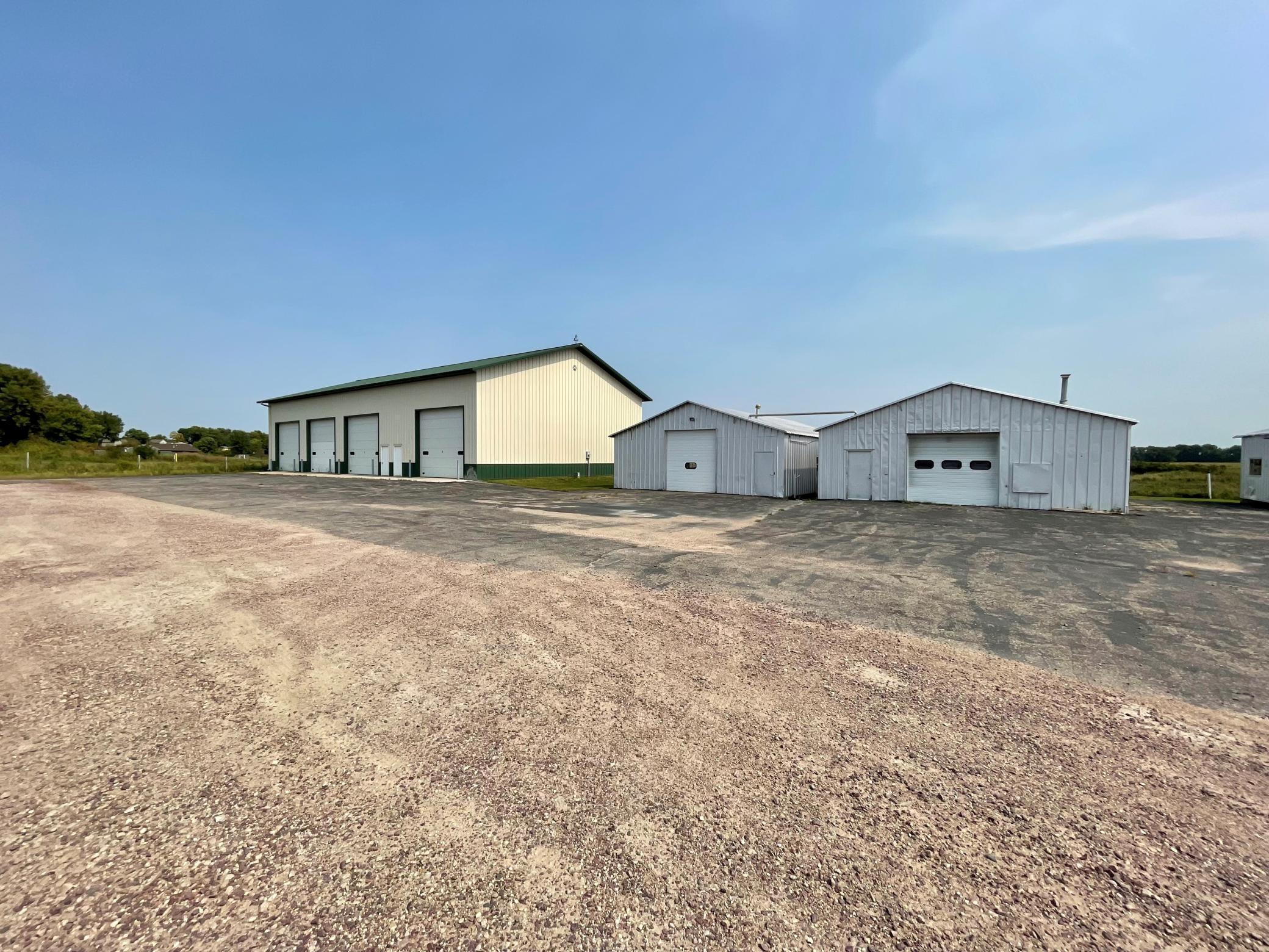 975 Gateway Drive Property Photo