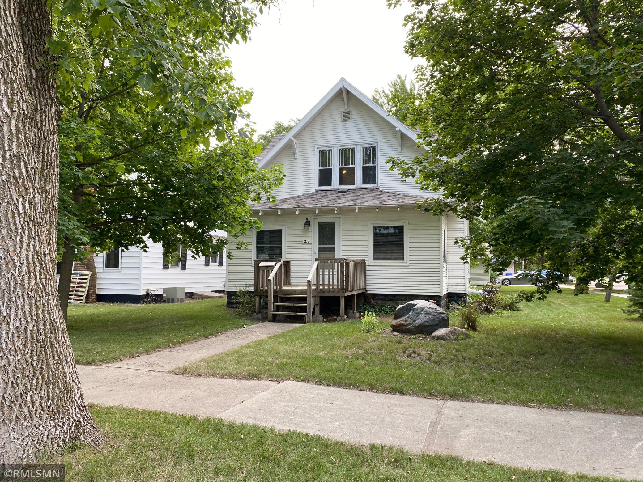 214 8th Street Property Photo