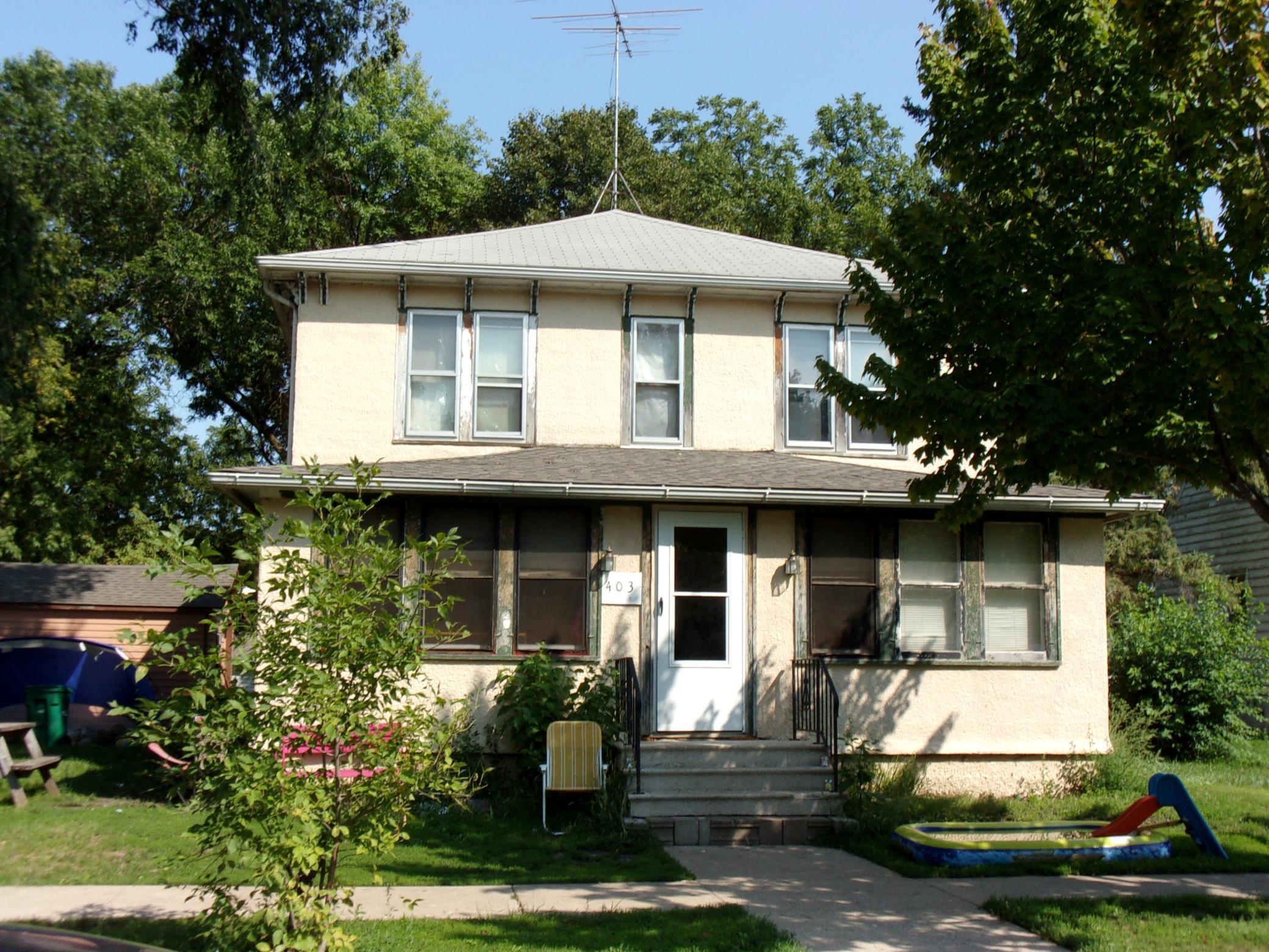 403 S Center Street Property Photo