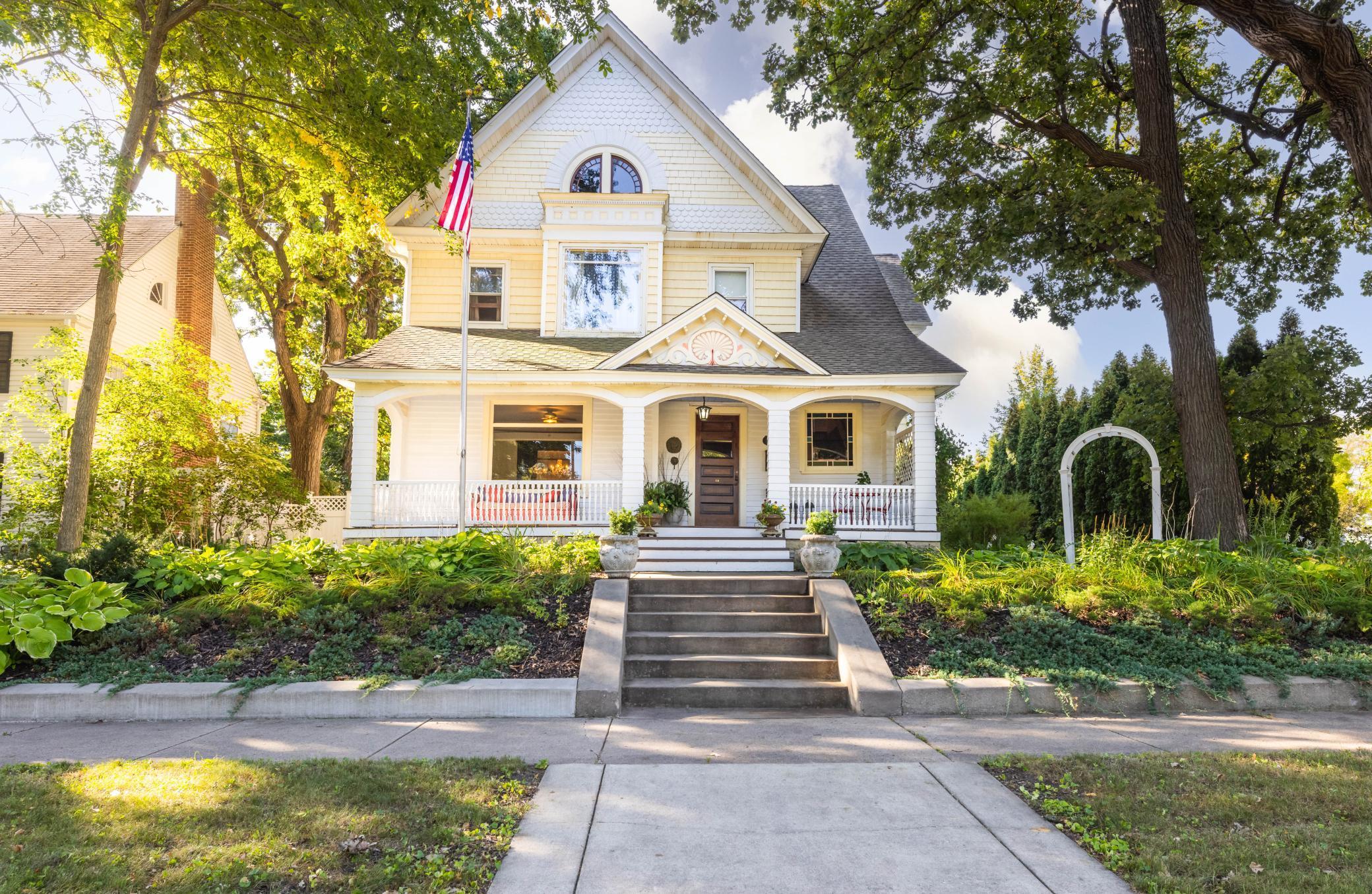 106 4th Avenue Property Photo