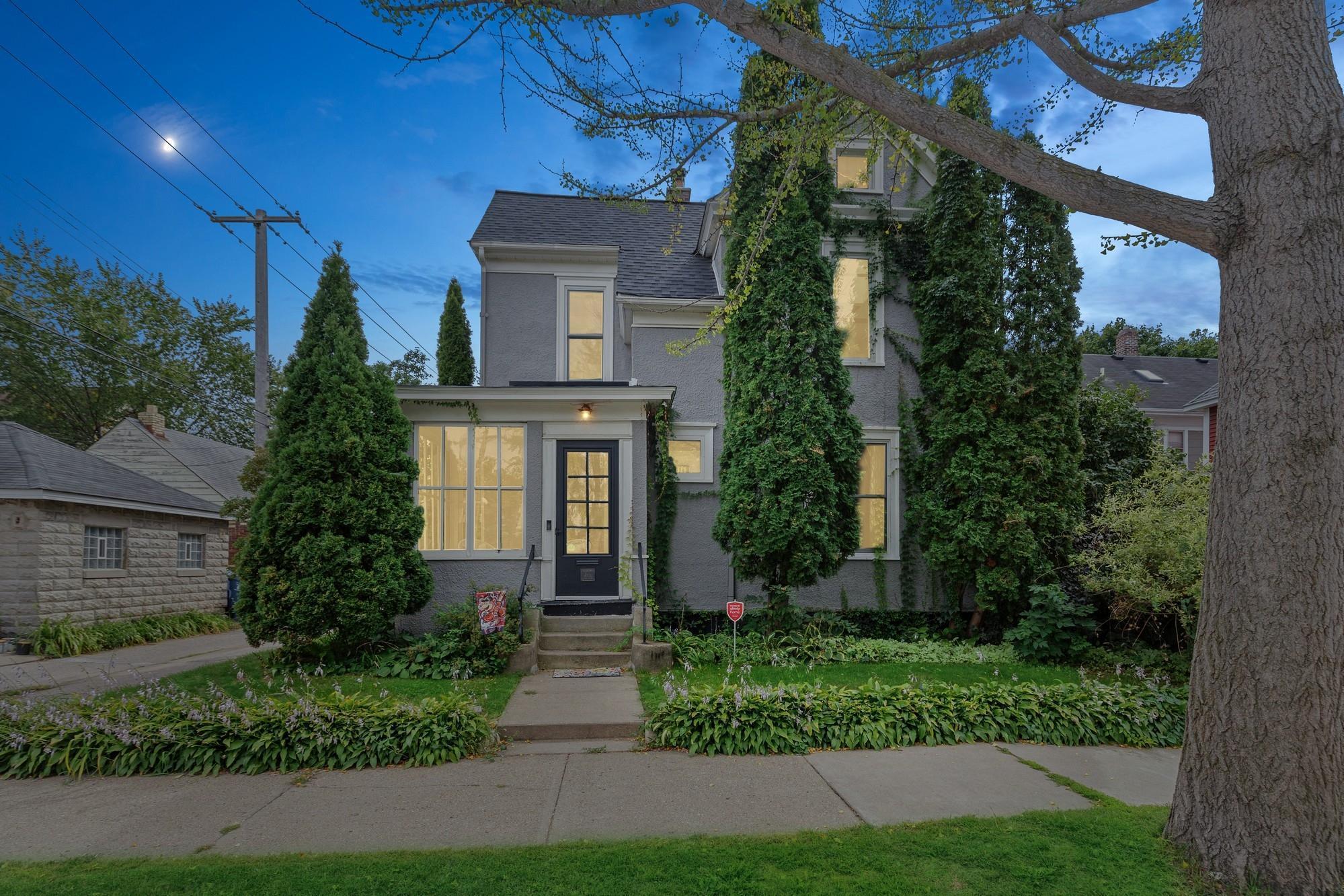 411 W 33rd Street Property Photo