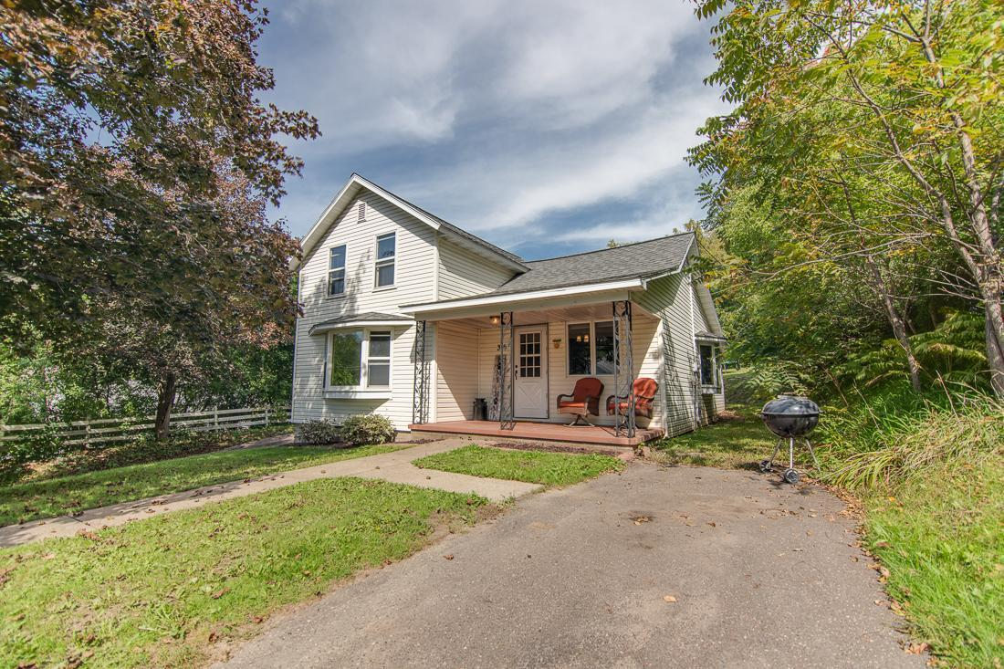 316 E Walnut Street Property Photo