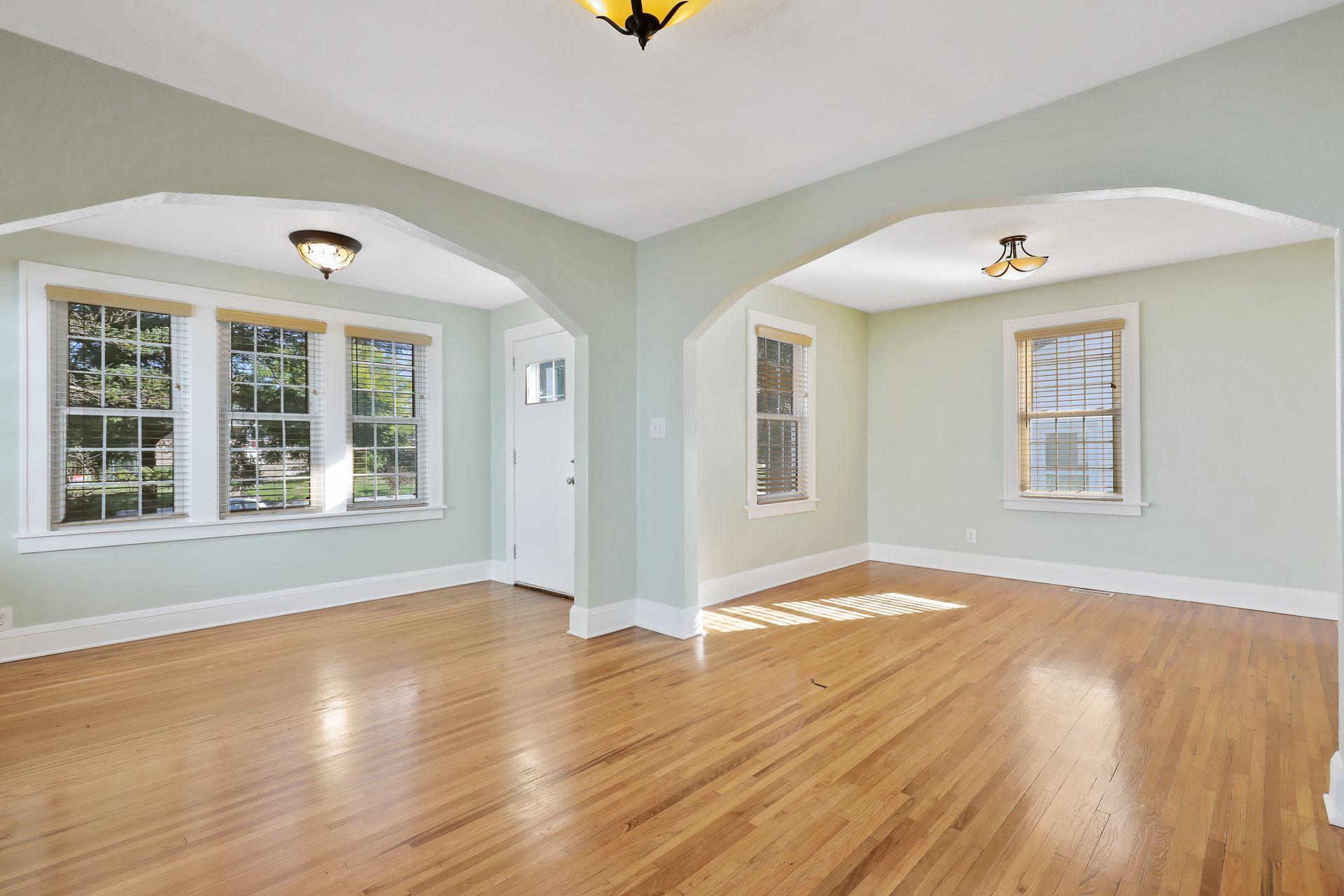 2611 W 60th Street Property Photo