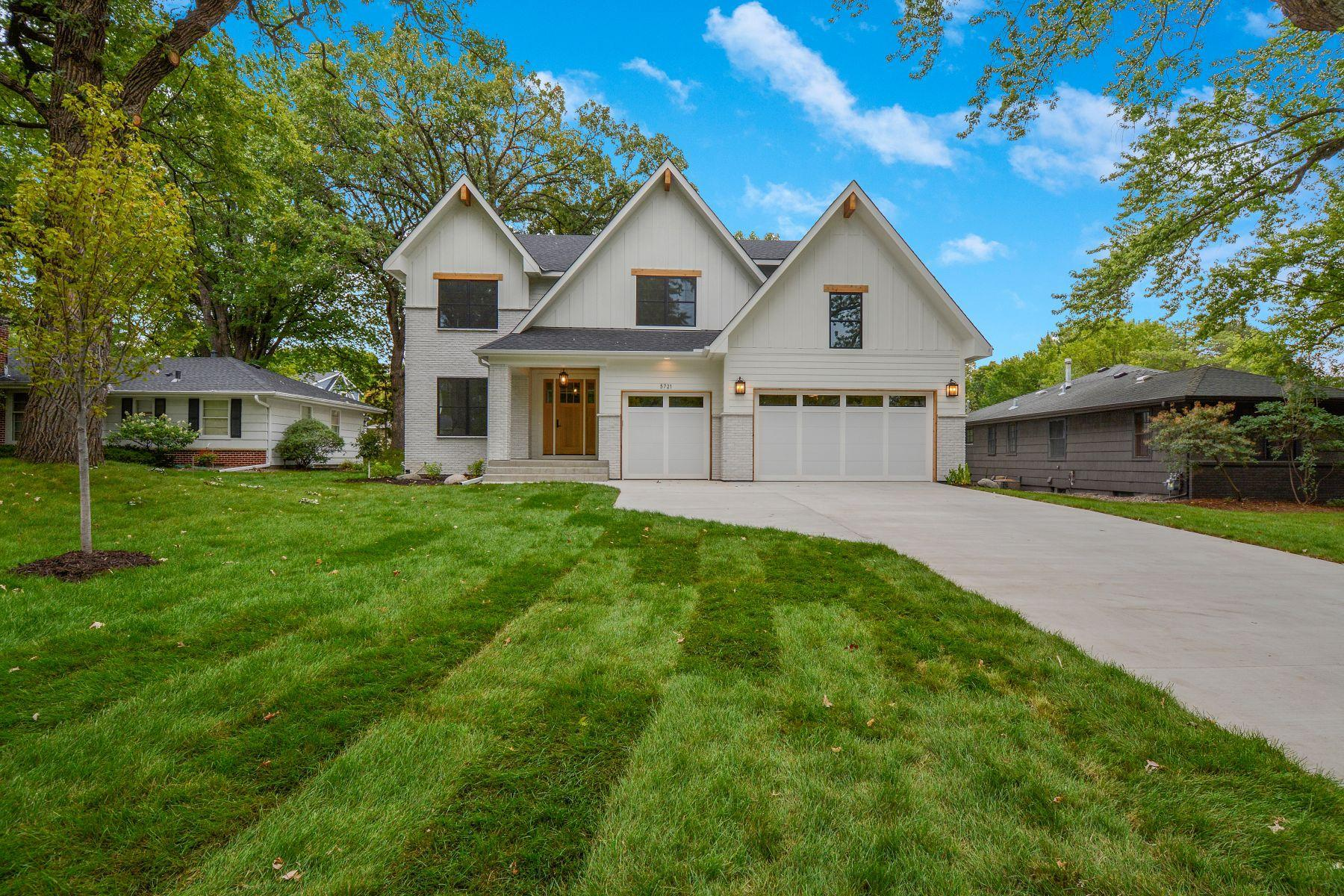 5721 Saint Johns Avenue Property Photo