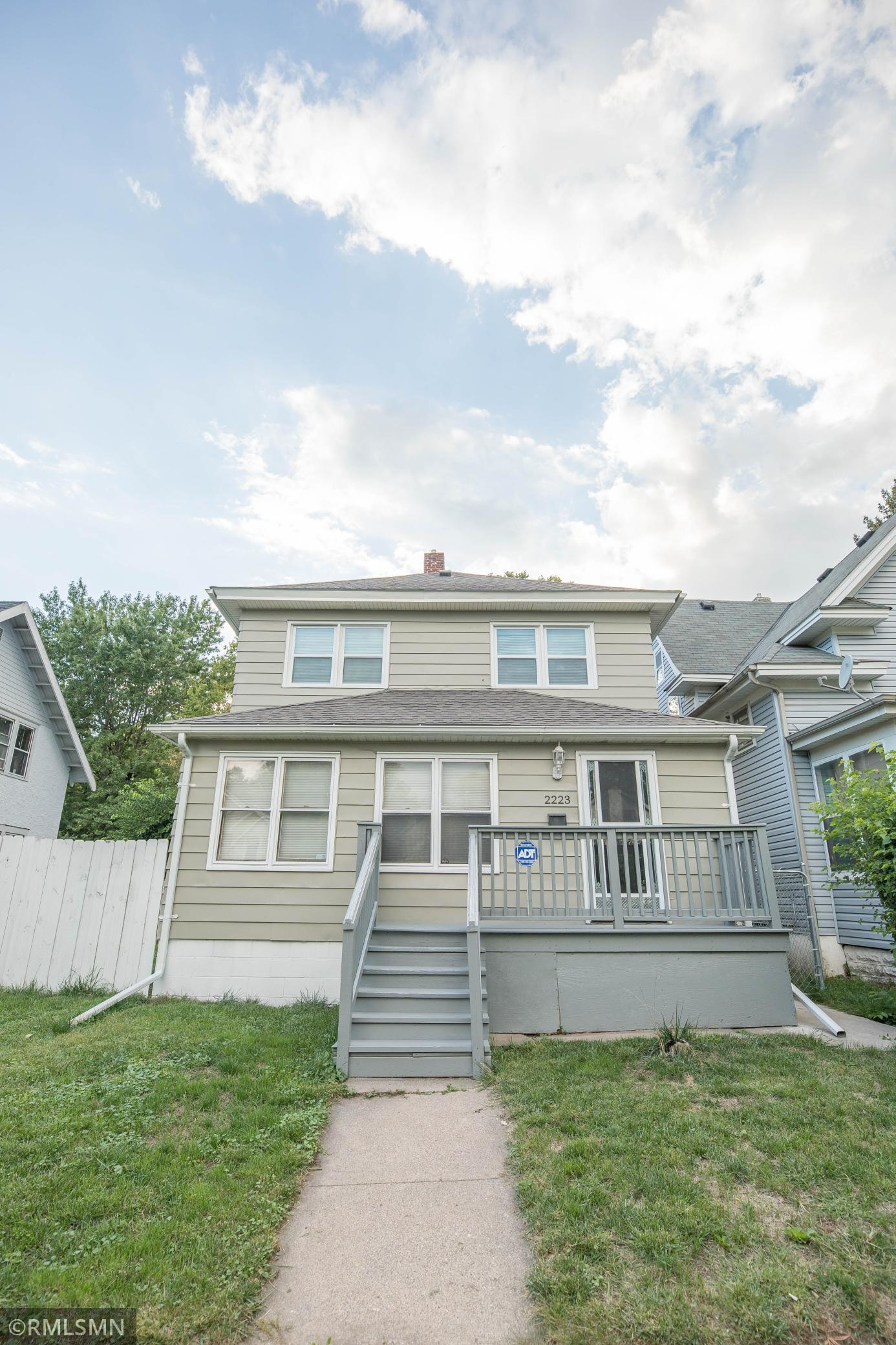 2223 Bryant Avenue Property Photo