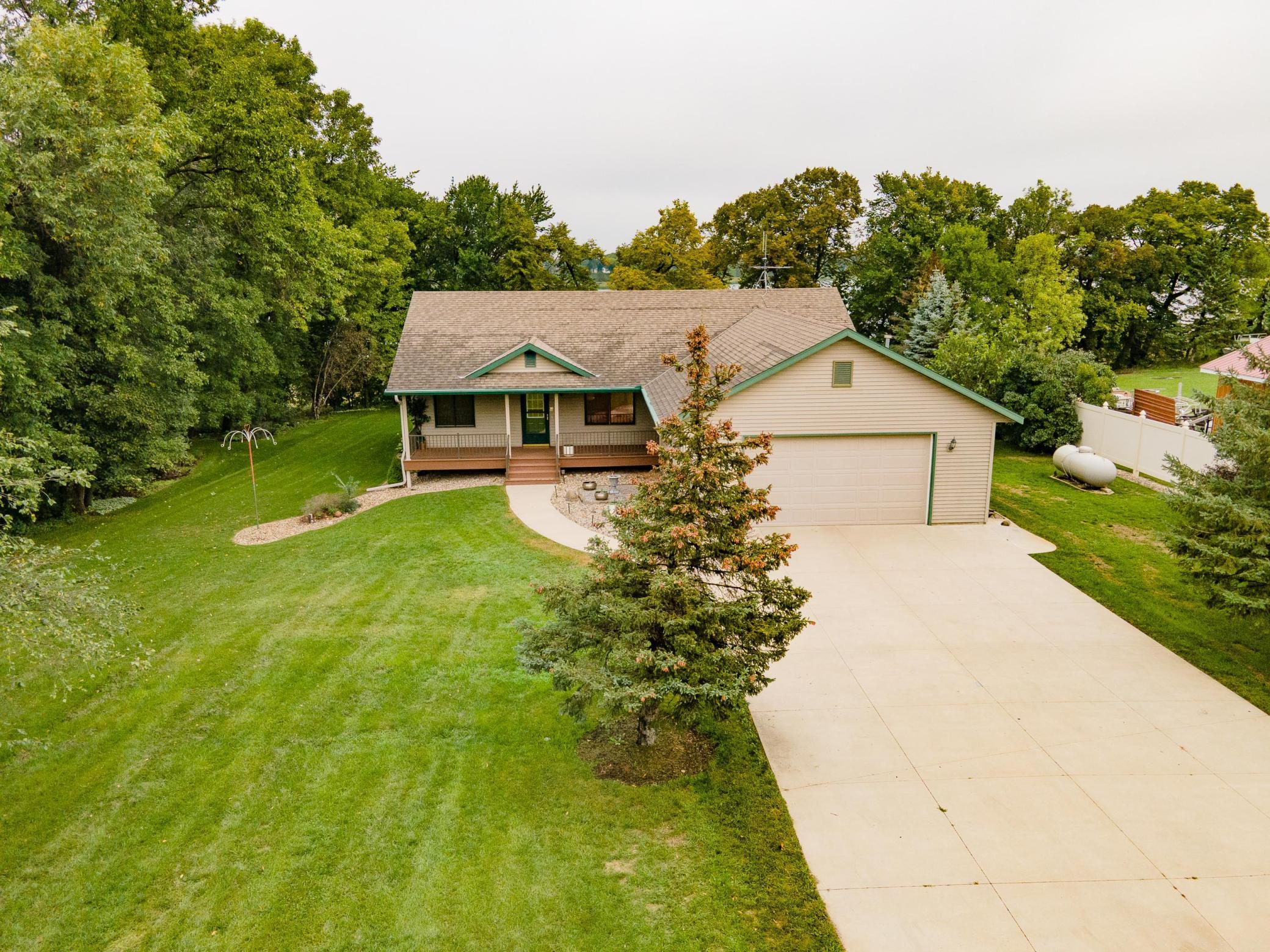 8600 S Union Lake Drive Property Photo 1
