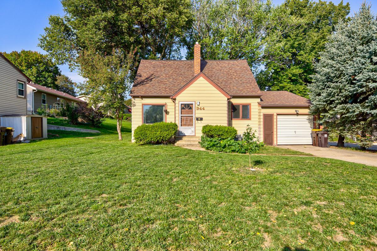 944 S Prairie Avenue Property Photo