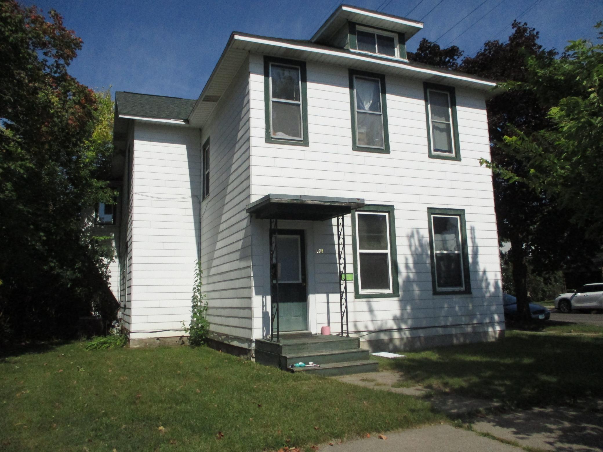 378 E Howard Street Property Photo 1