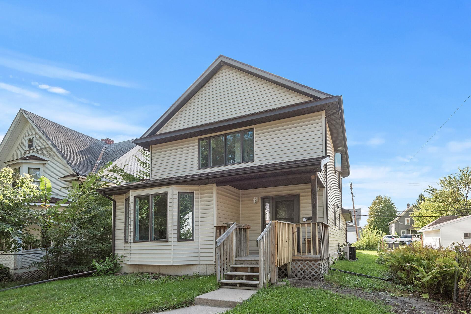 2115 Oliver Avenue Property Photo