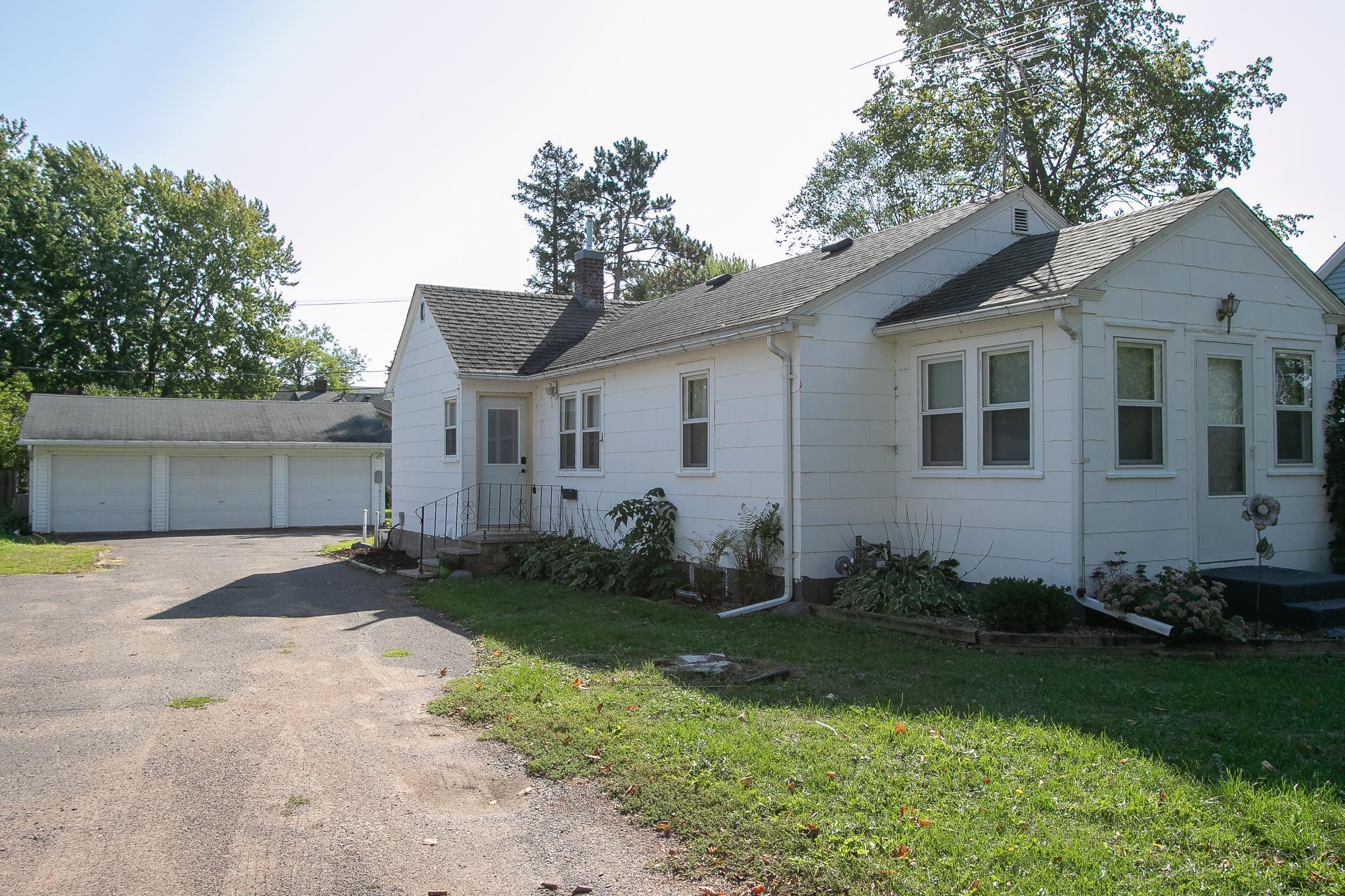 224 Wood Street Property Photo