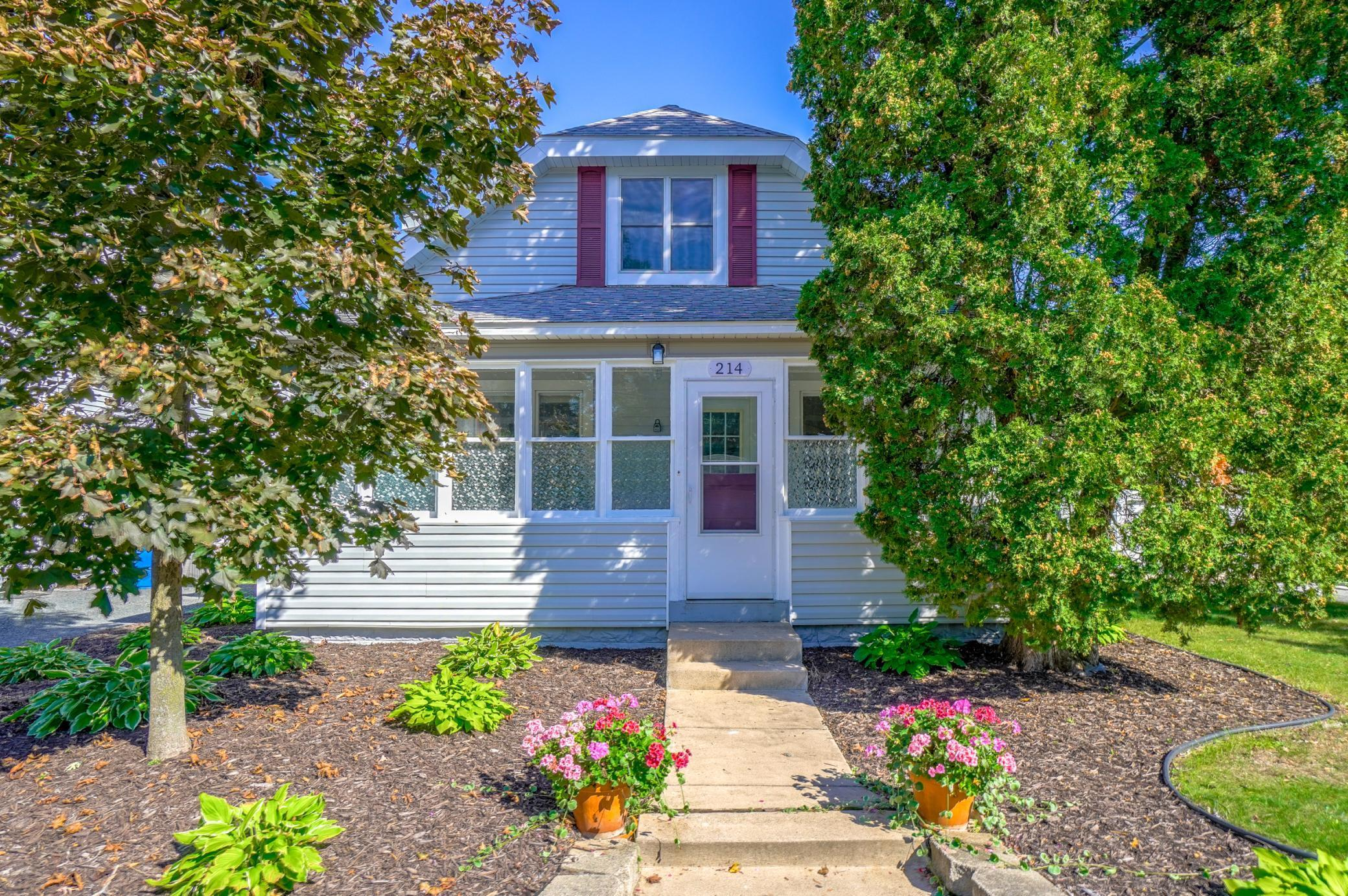 214 East Avenue Property Photo