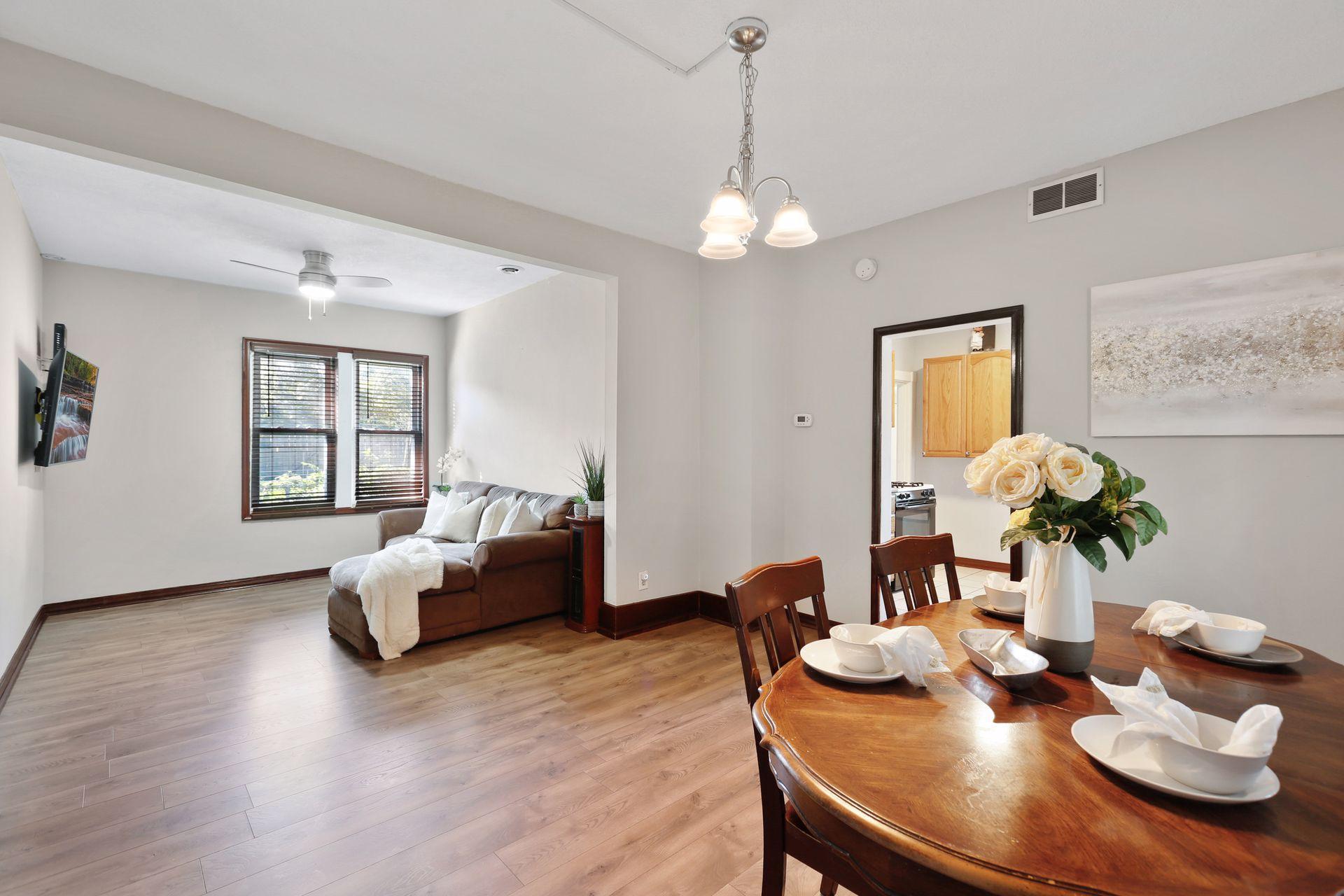 3235 Vincent Avenue Property Photo