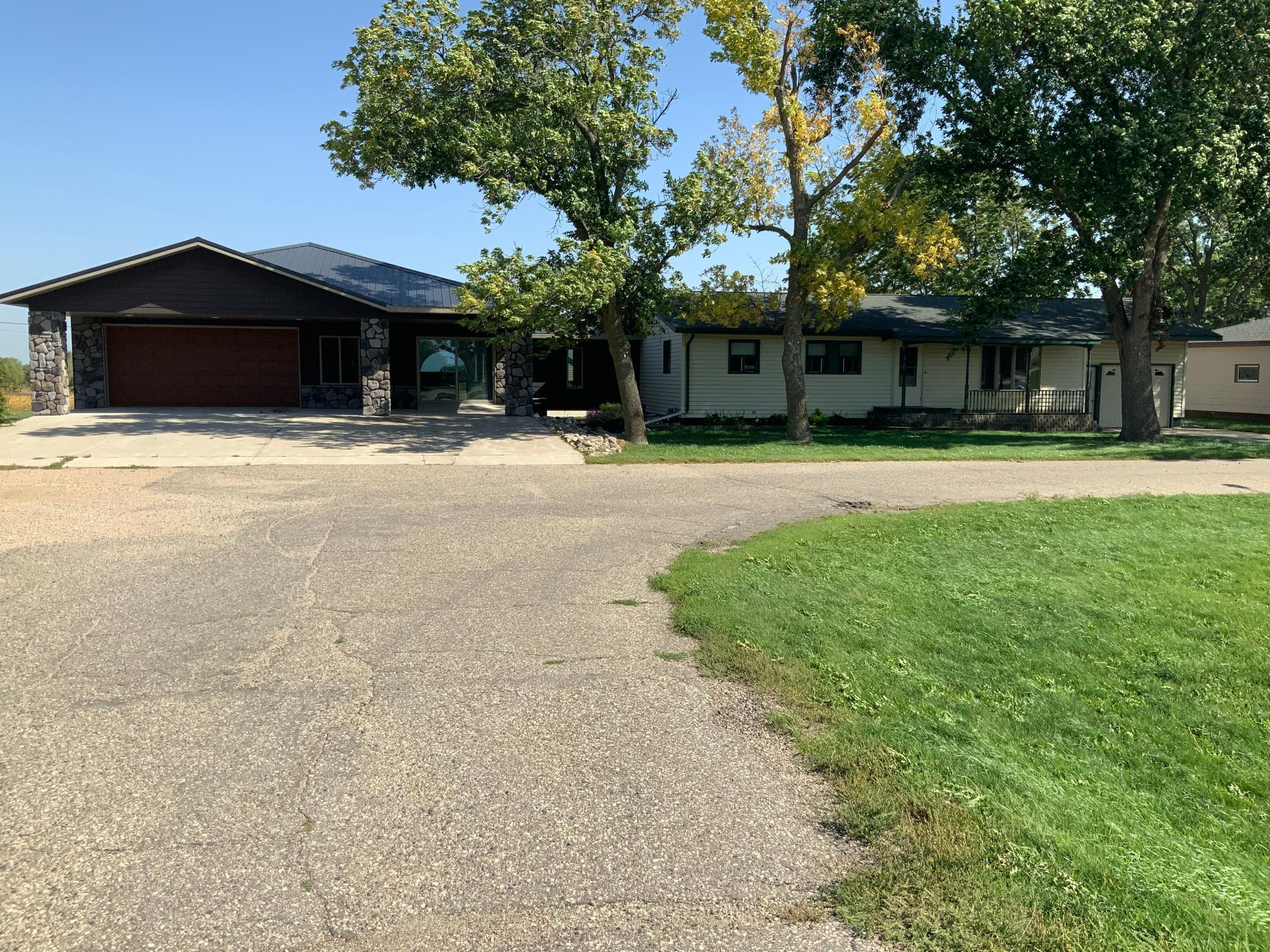 2064 Highway 75 Property Photo