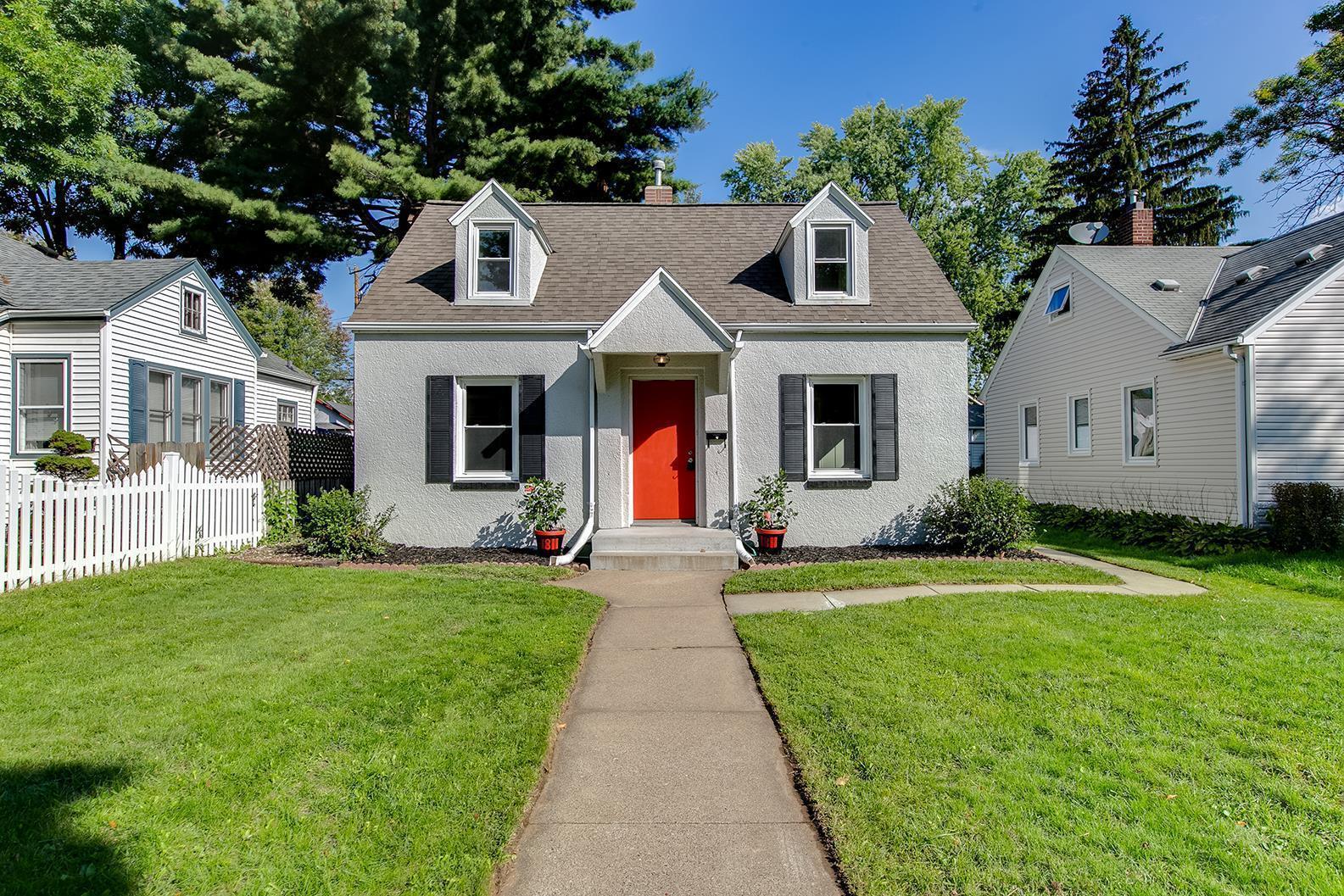 Aurora Add Real Estate Listings Main Image