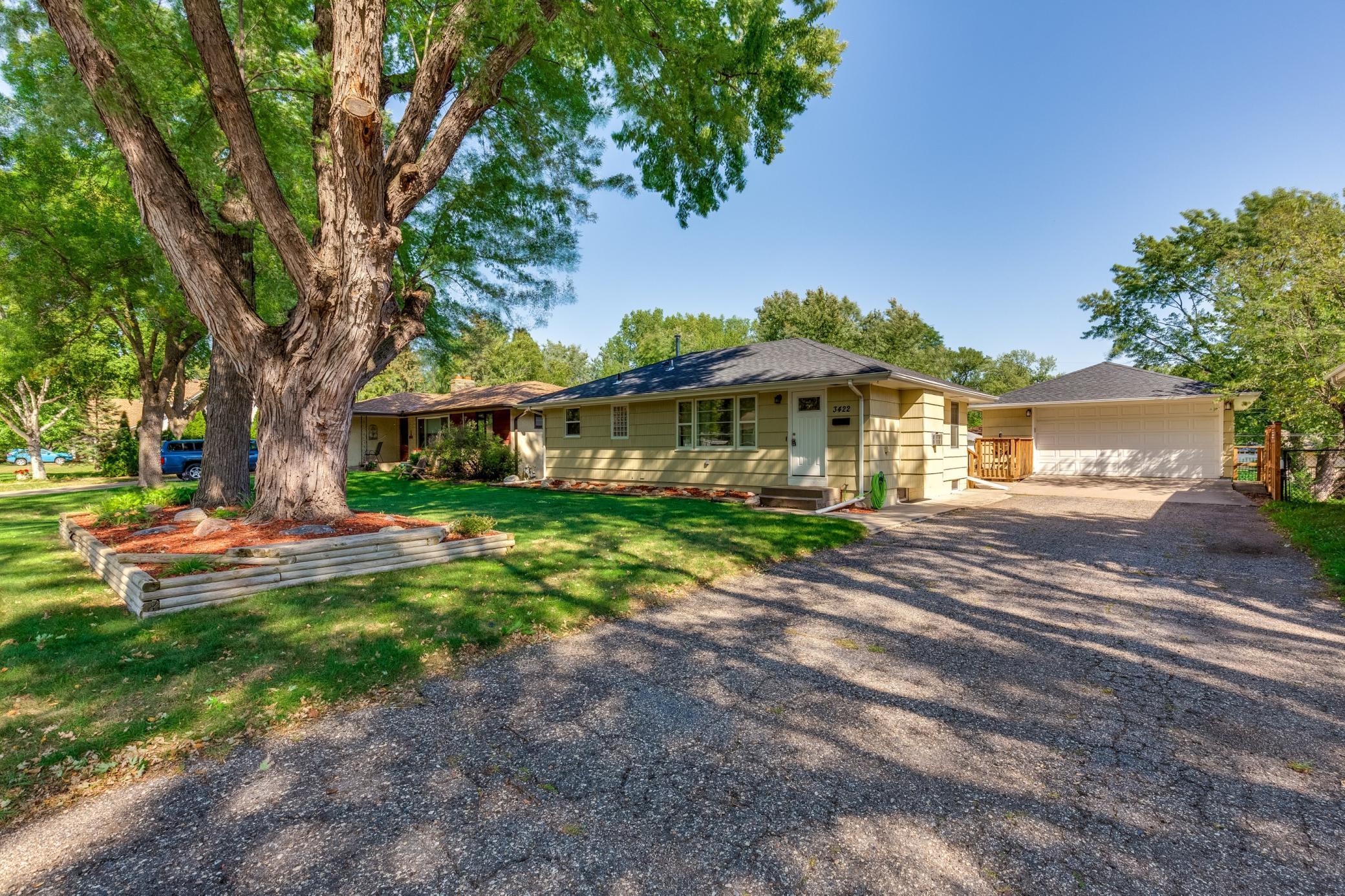 3422 Yates Avenue Property Photo