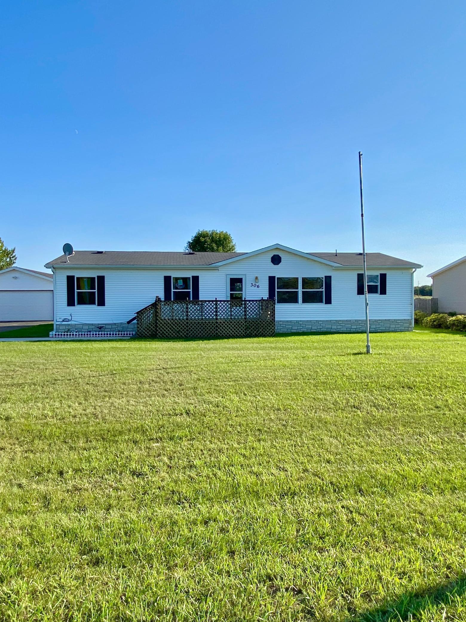 306 6th Street Property Photo