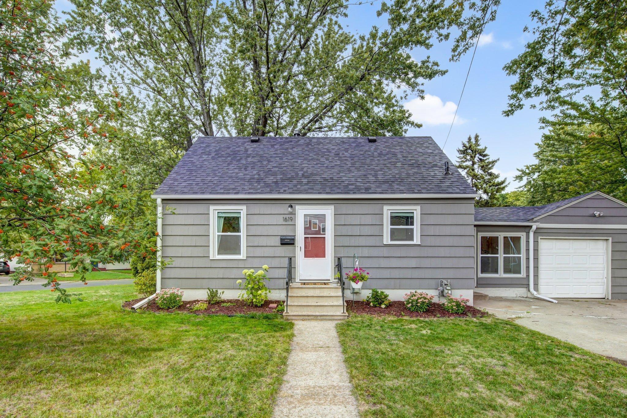 1619 41st Avenue Property Photo