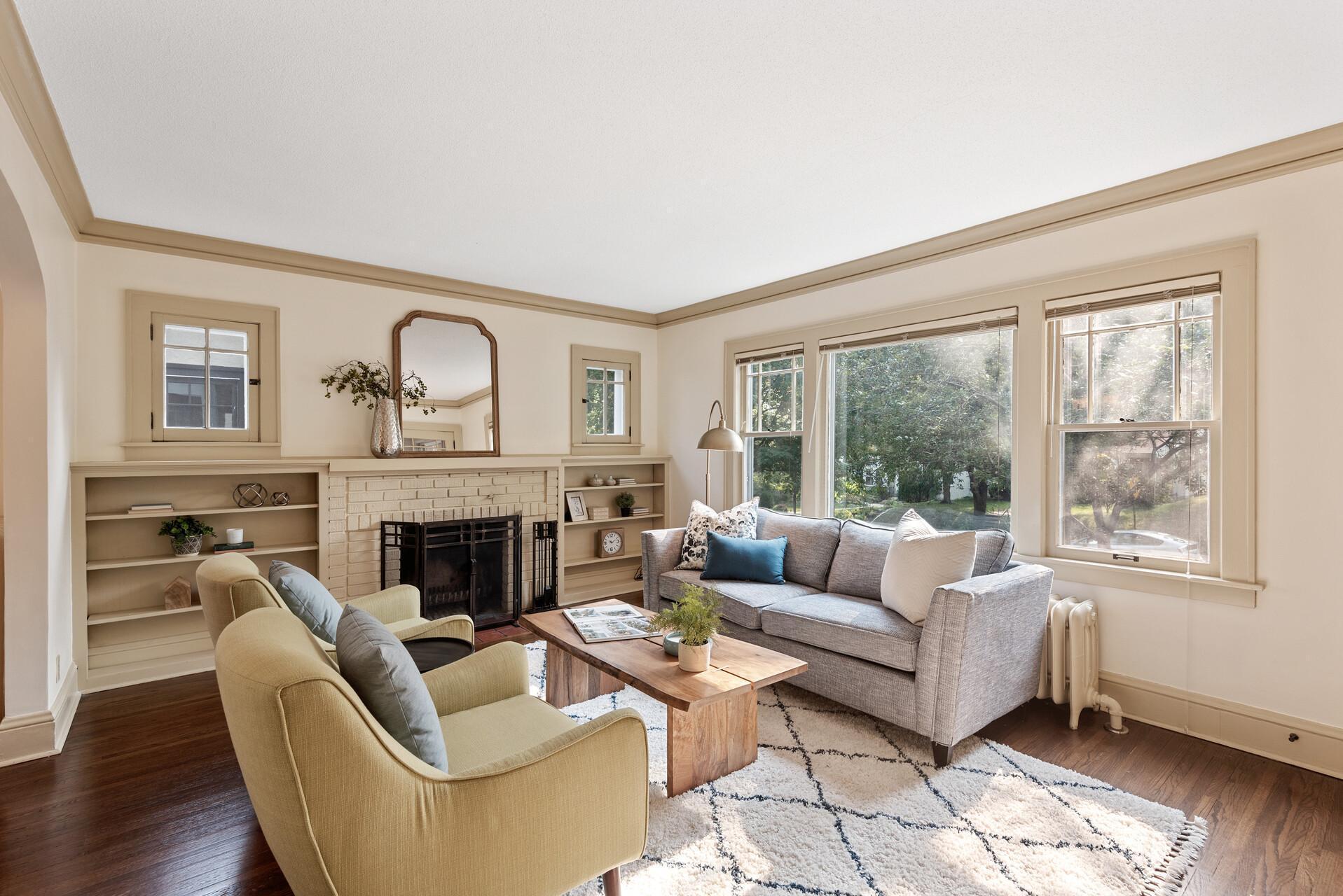 4741 Ewing Avenue Property Photo