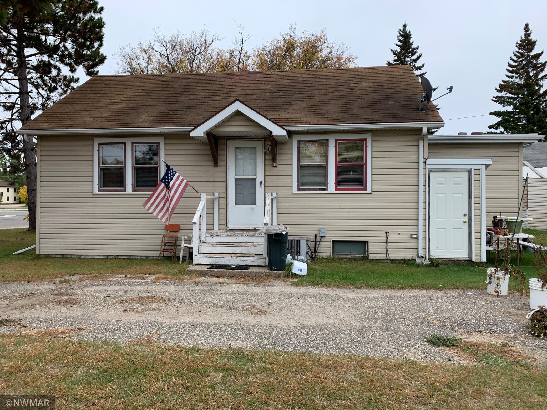 606 1st Street Property Photo