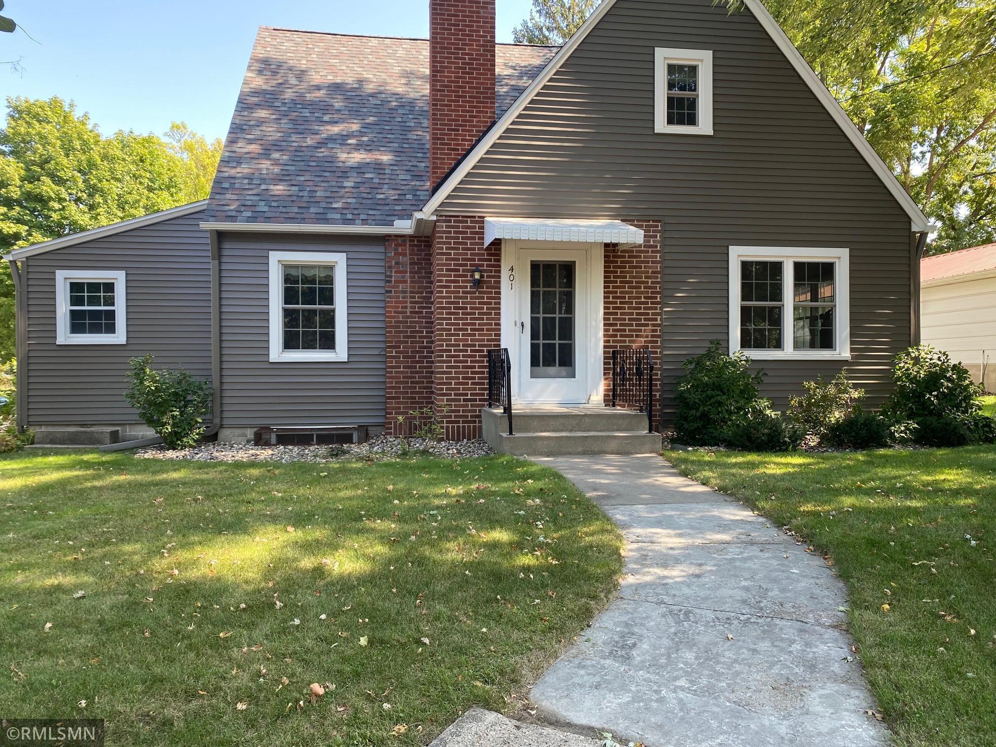 401 Ash Avenue Property Photo