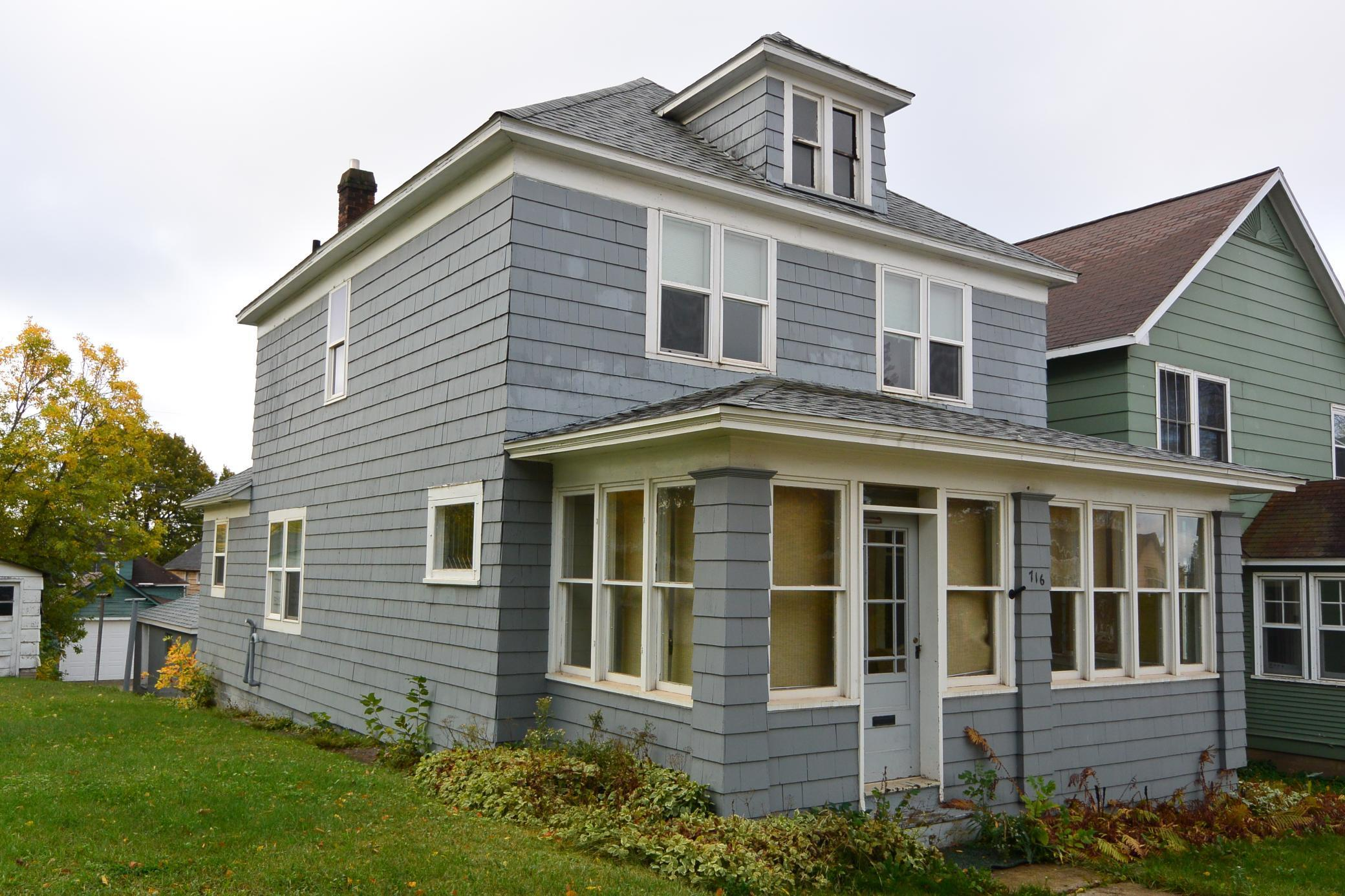 716 Garfield Street Property Photo