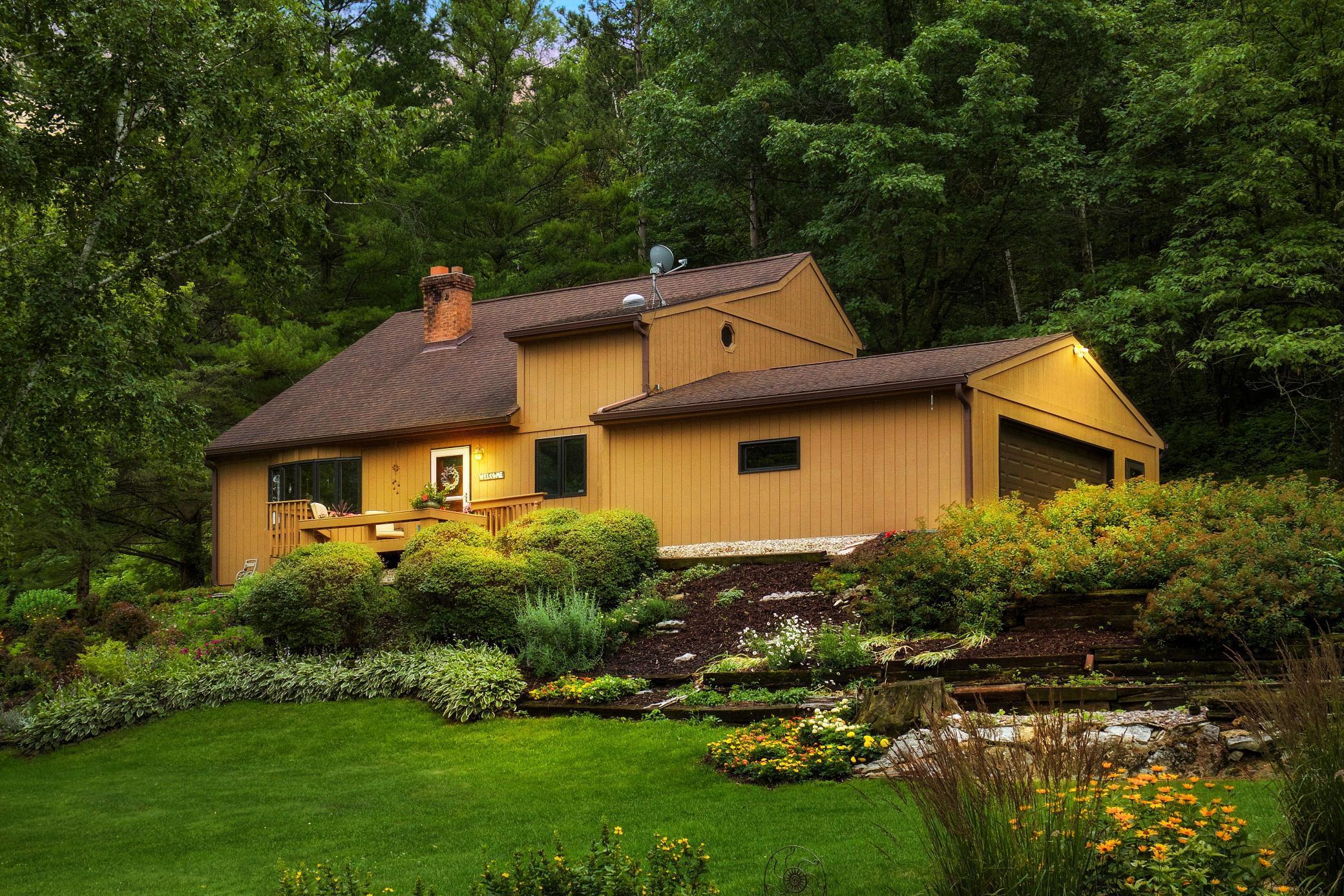 7003 Birchwood Drive Property Photo 1