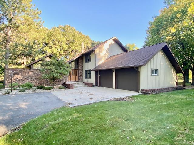 136 Woodhill Road Property Photo