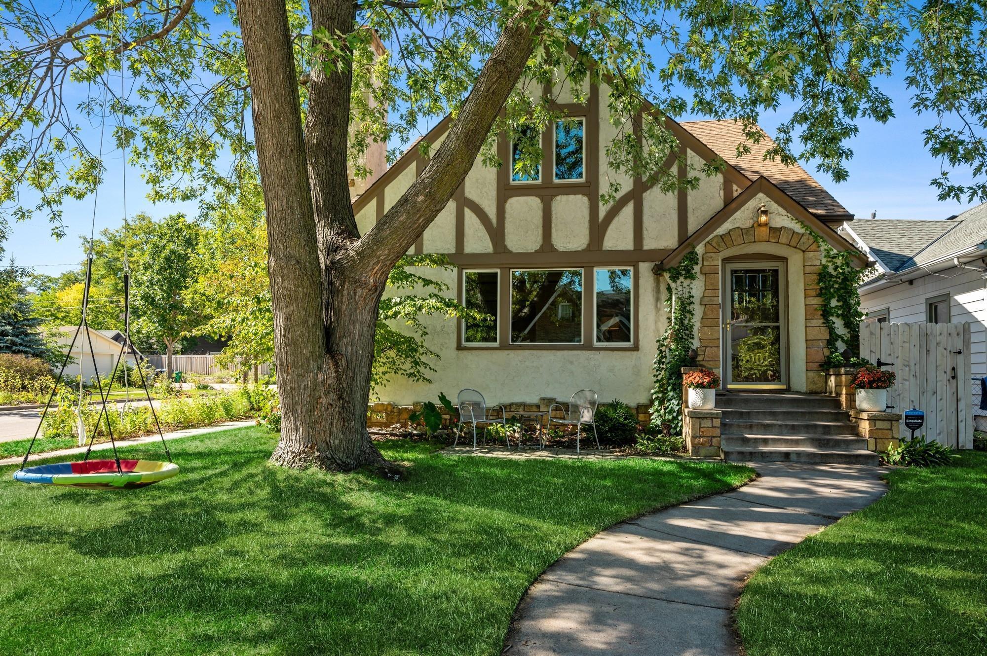 3901 Washburn Avenue Property Photo
