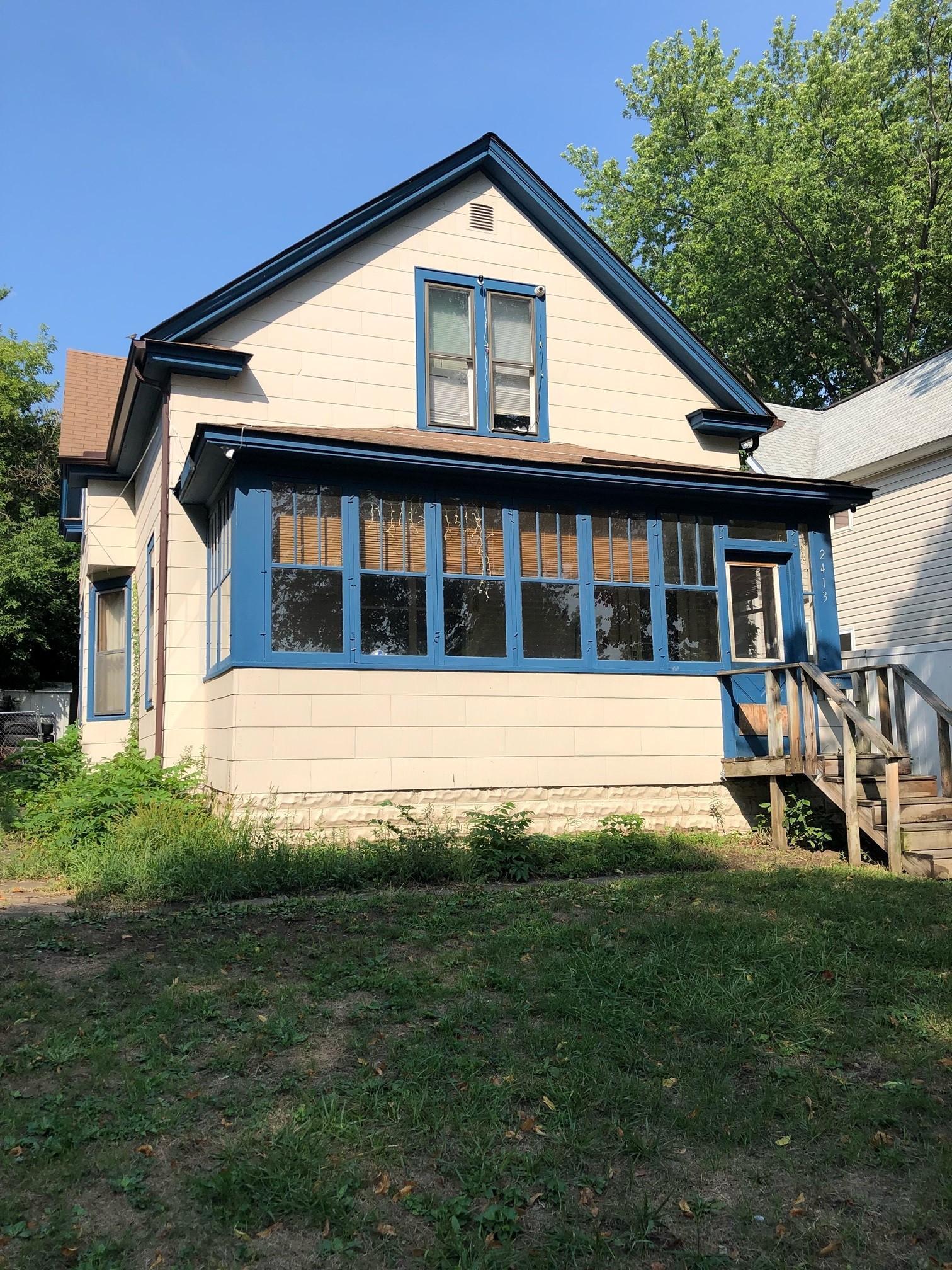 2413 Thomas Avenue Property Photo