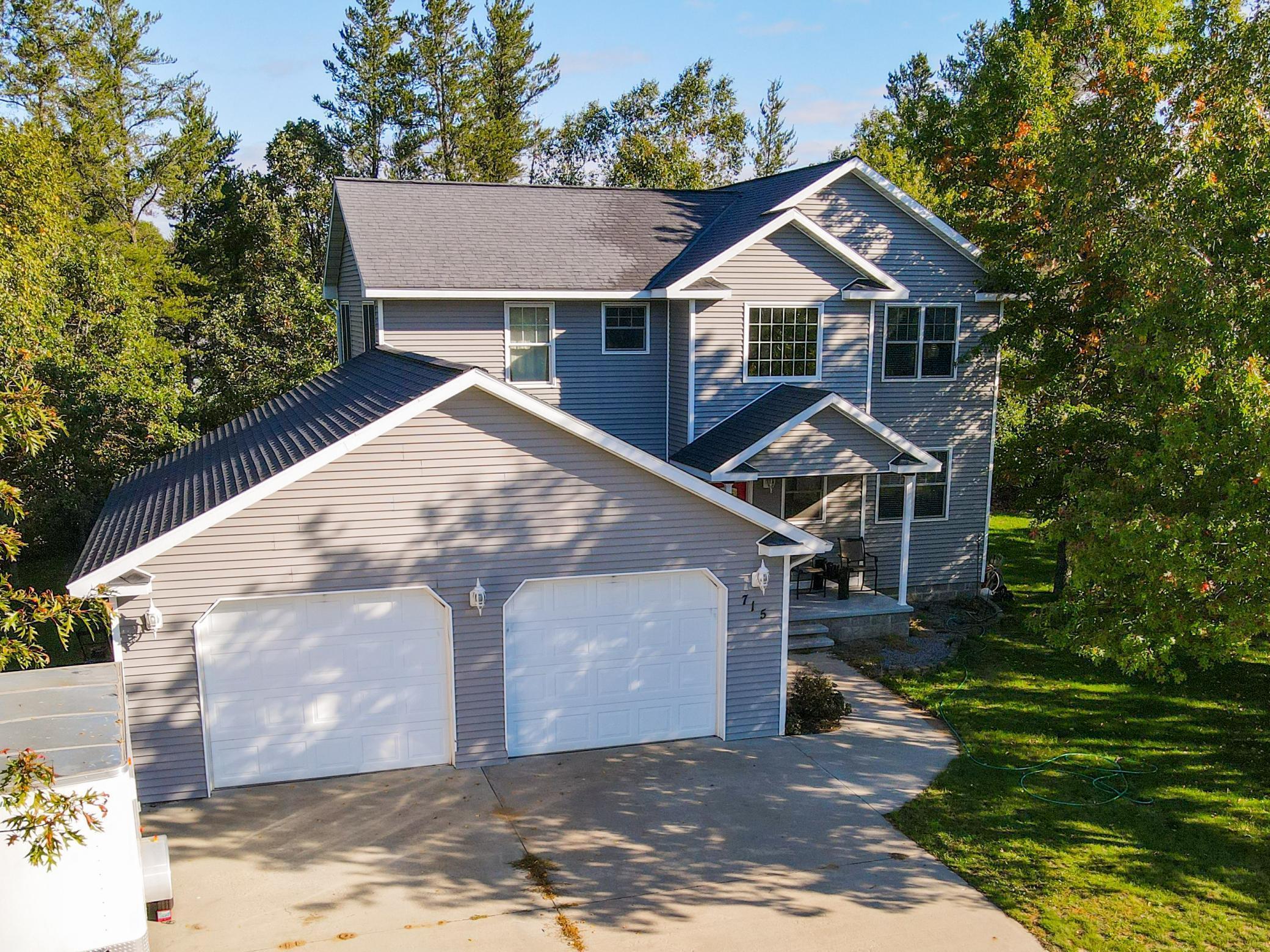 715 4th Lane Property Photo