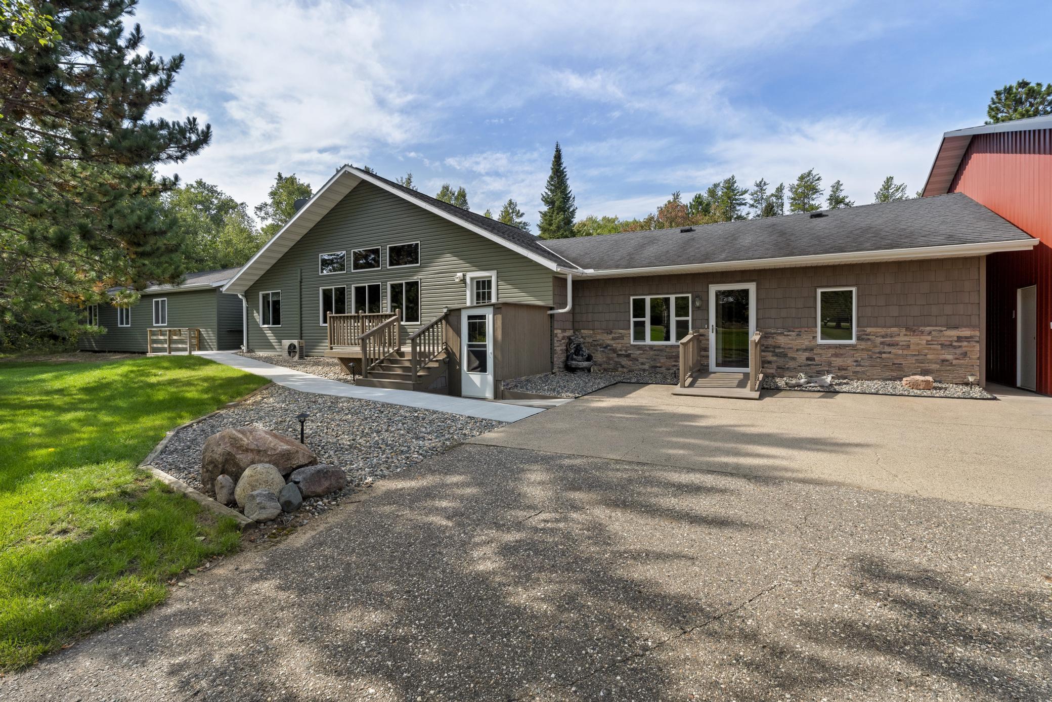 23299 285th Avenue Property Photo