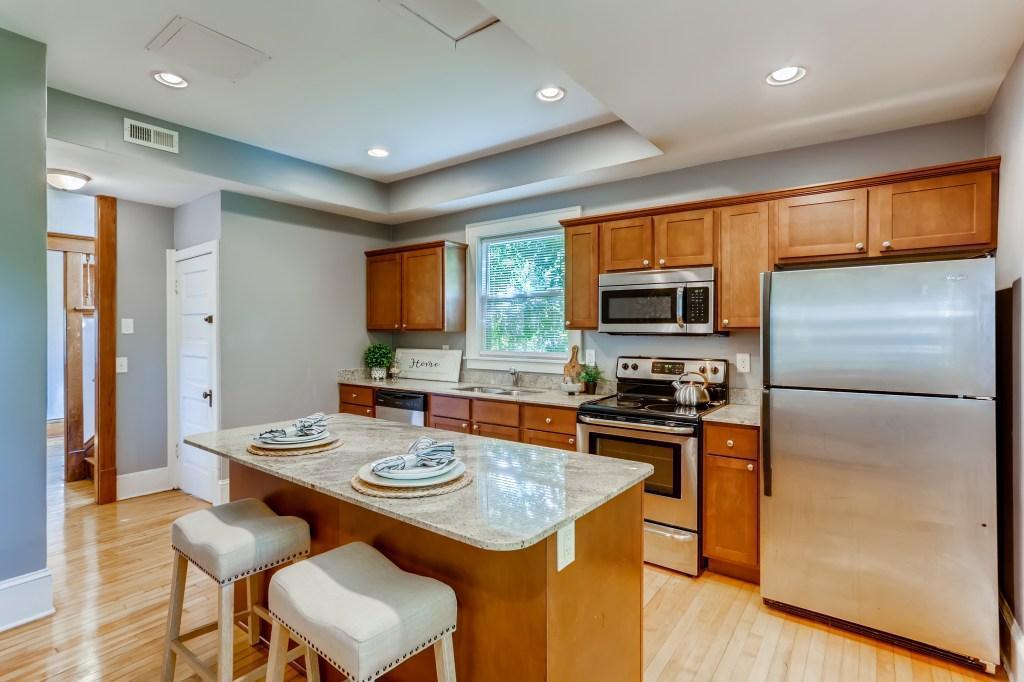 315 W 32nd Street Property Photo