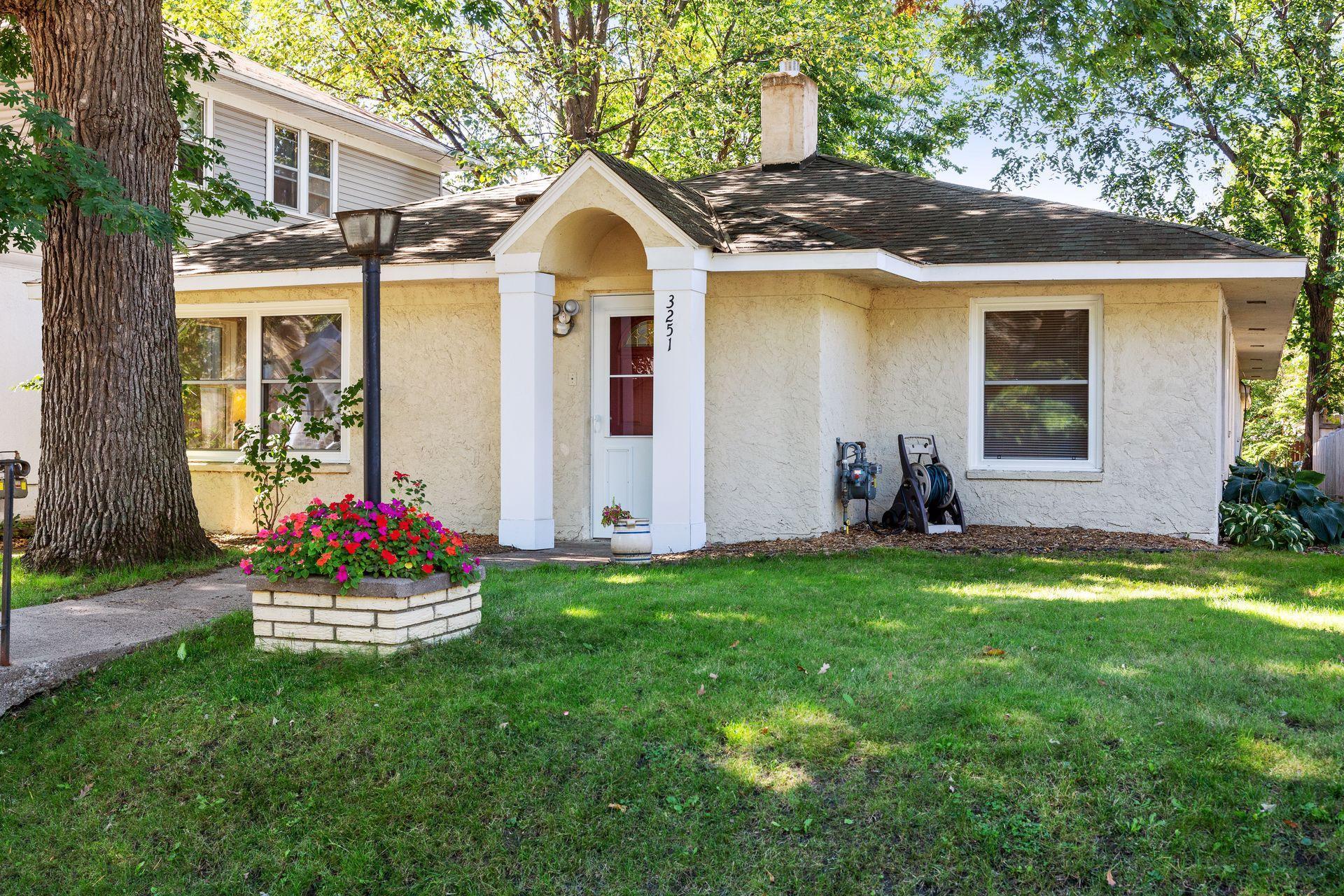 3251 Vincent Avenue Property Photo
