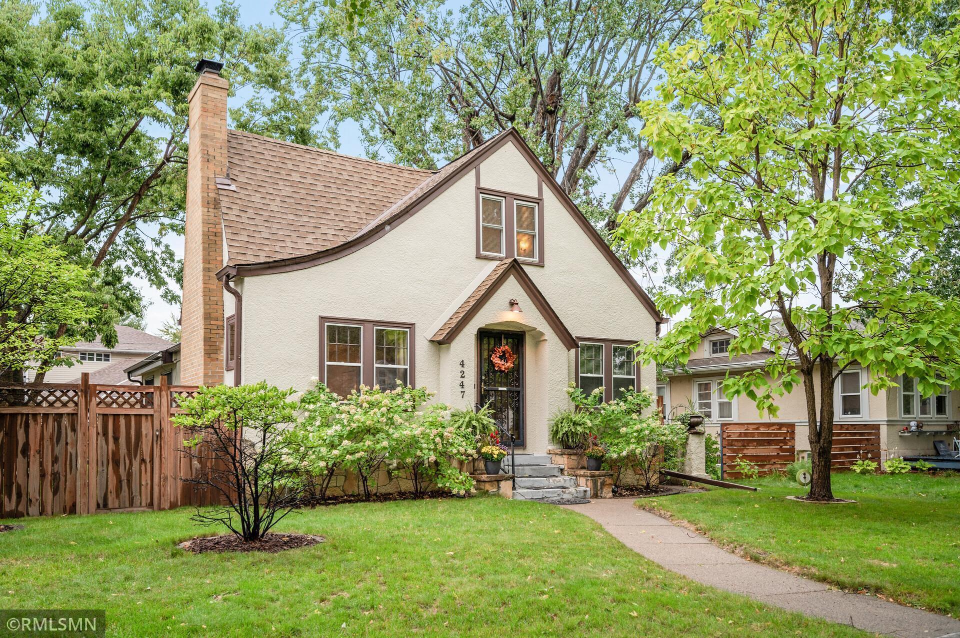 4247 Thomas Avenue Property Photo