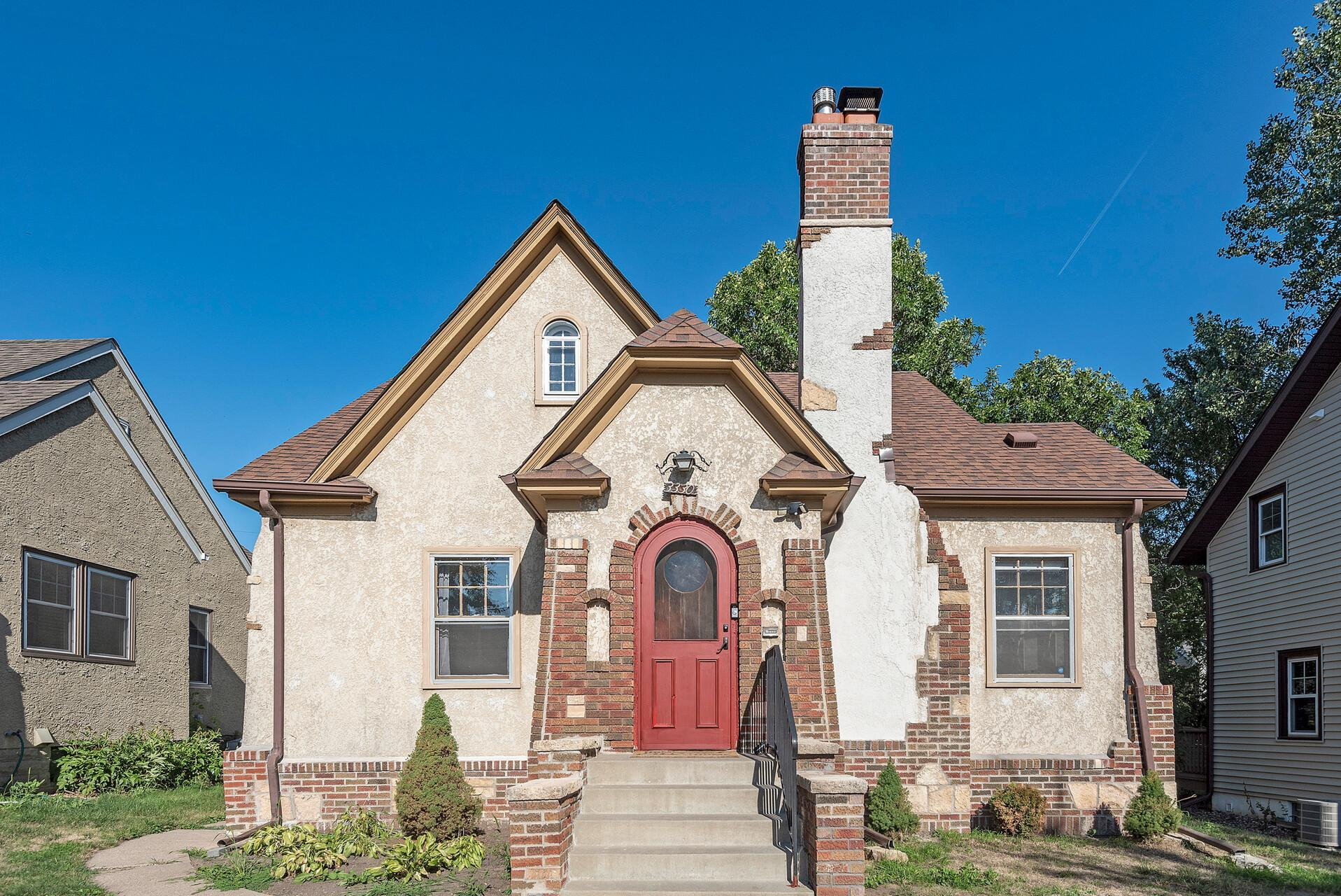 3330 Irving Avenue Property Photo