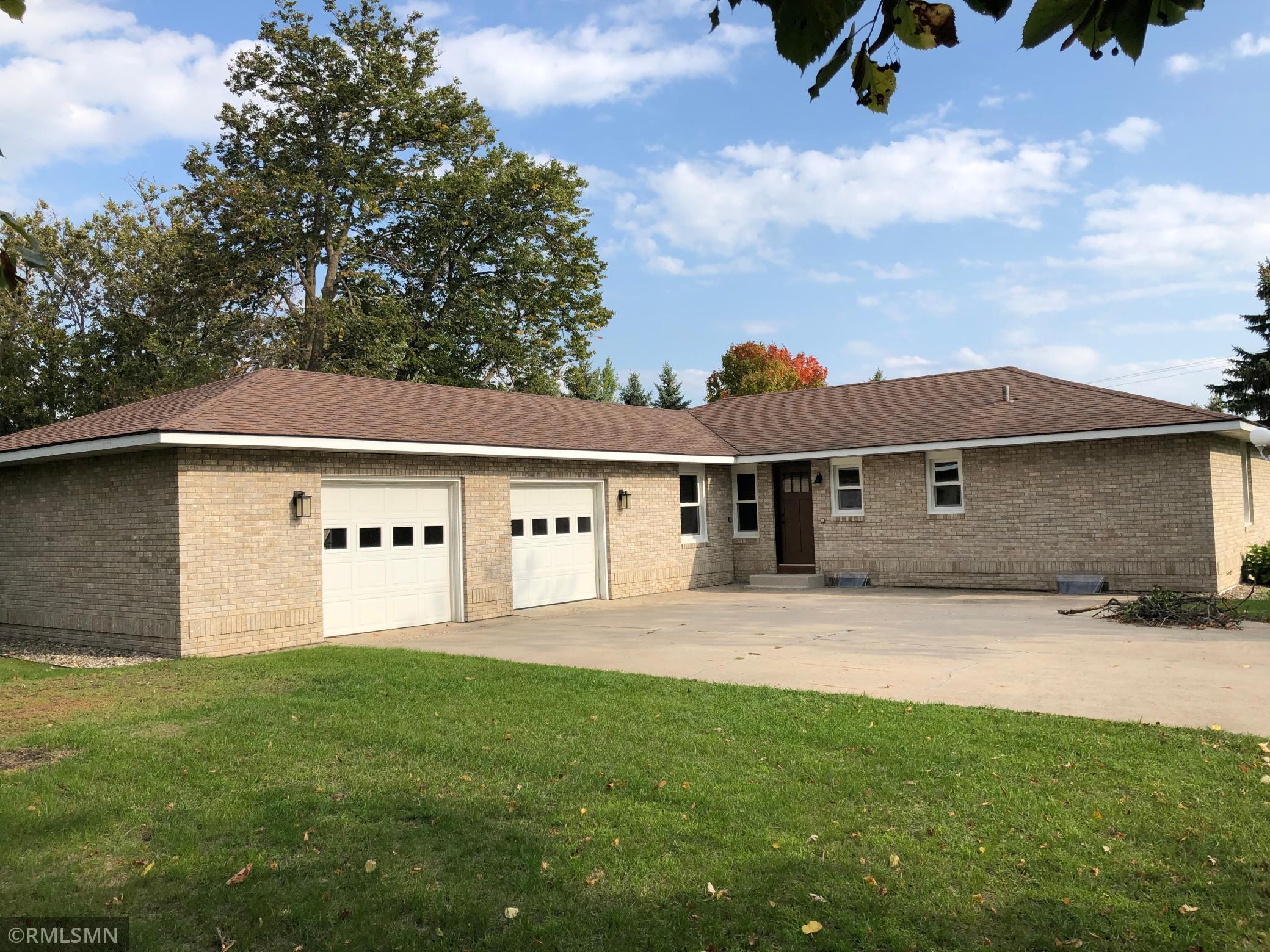 1054 N Shore Drive Property Photo