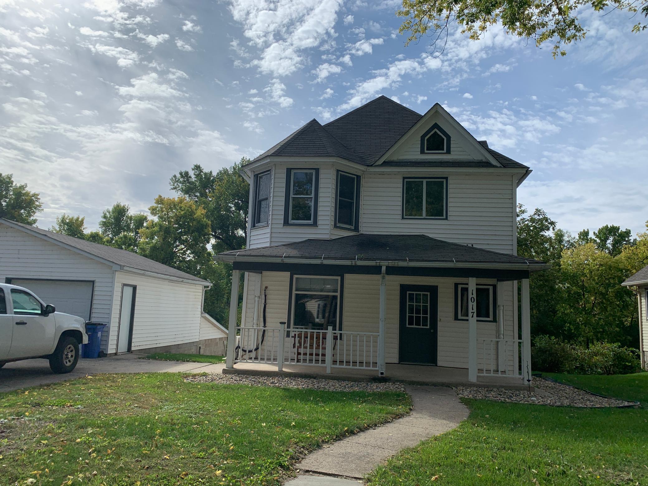 1017 Pine Street Property Photo